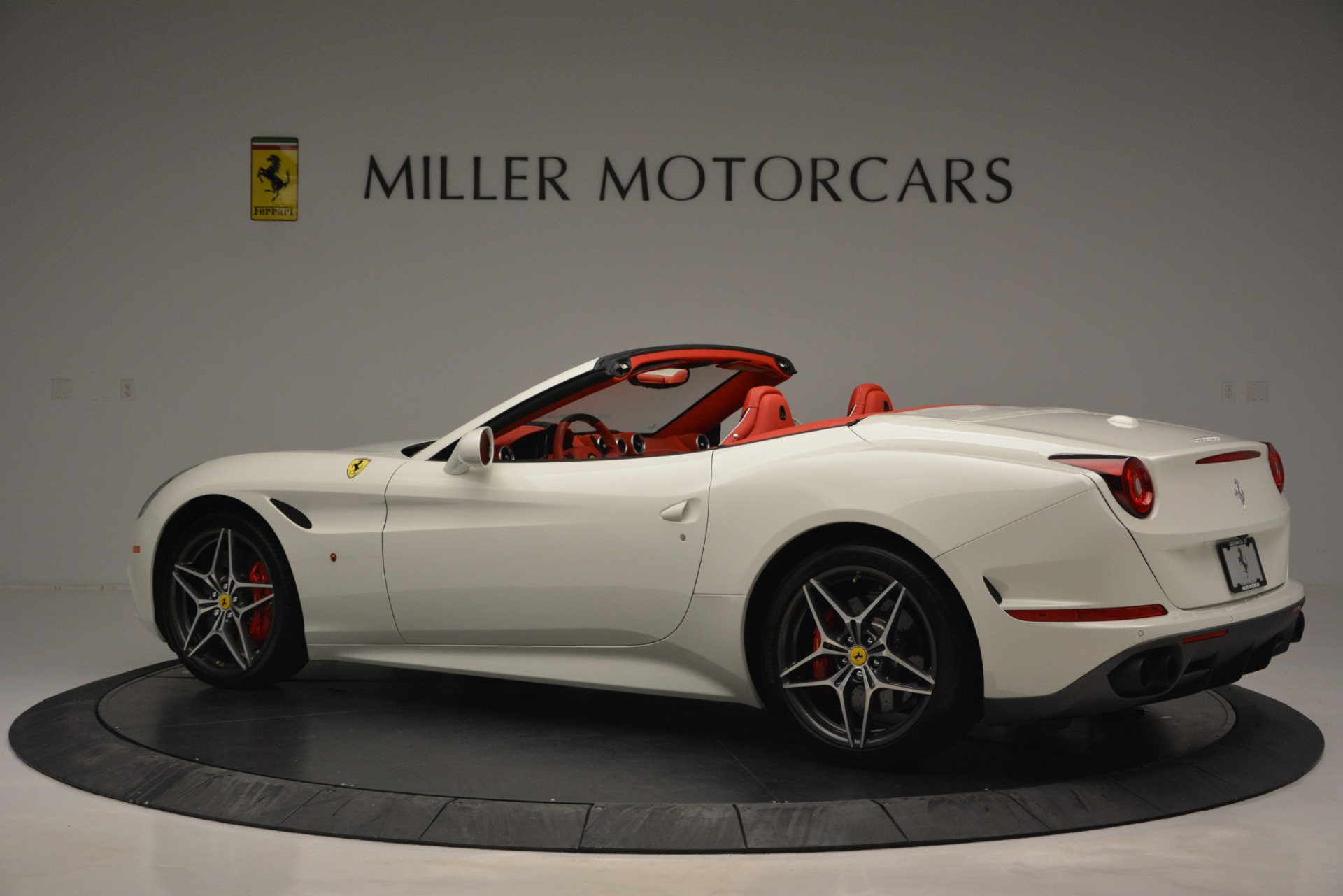 Used 2017 Ferrari California T Handling Speciale For Sale In Greenwich, CT 2881_p4