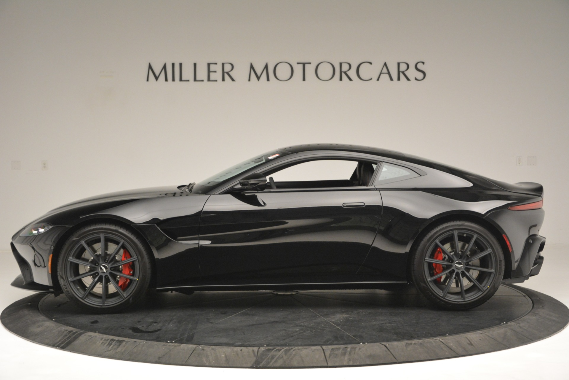 New 2019 Aston Martin Vantage  For Sale In Greenwich, CT 2886_p3