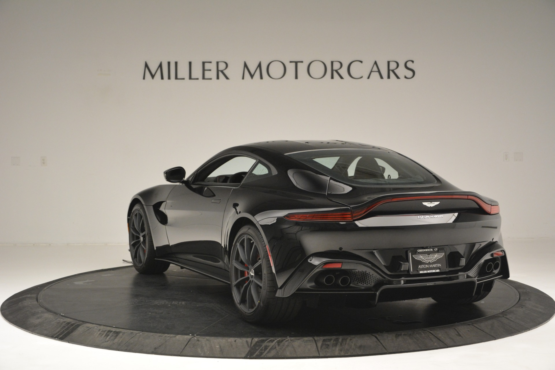 New 2019 Aston Martin Vantage  For Sale In Greenwich, CT 2886_p5