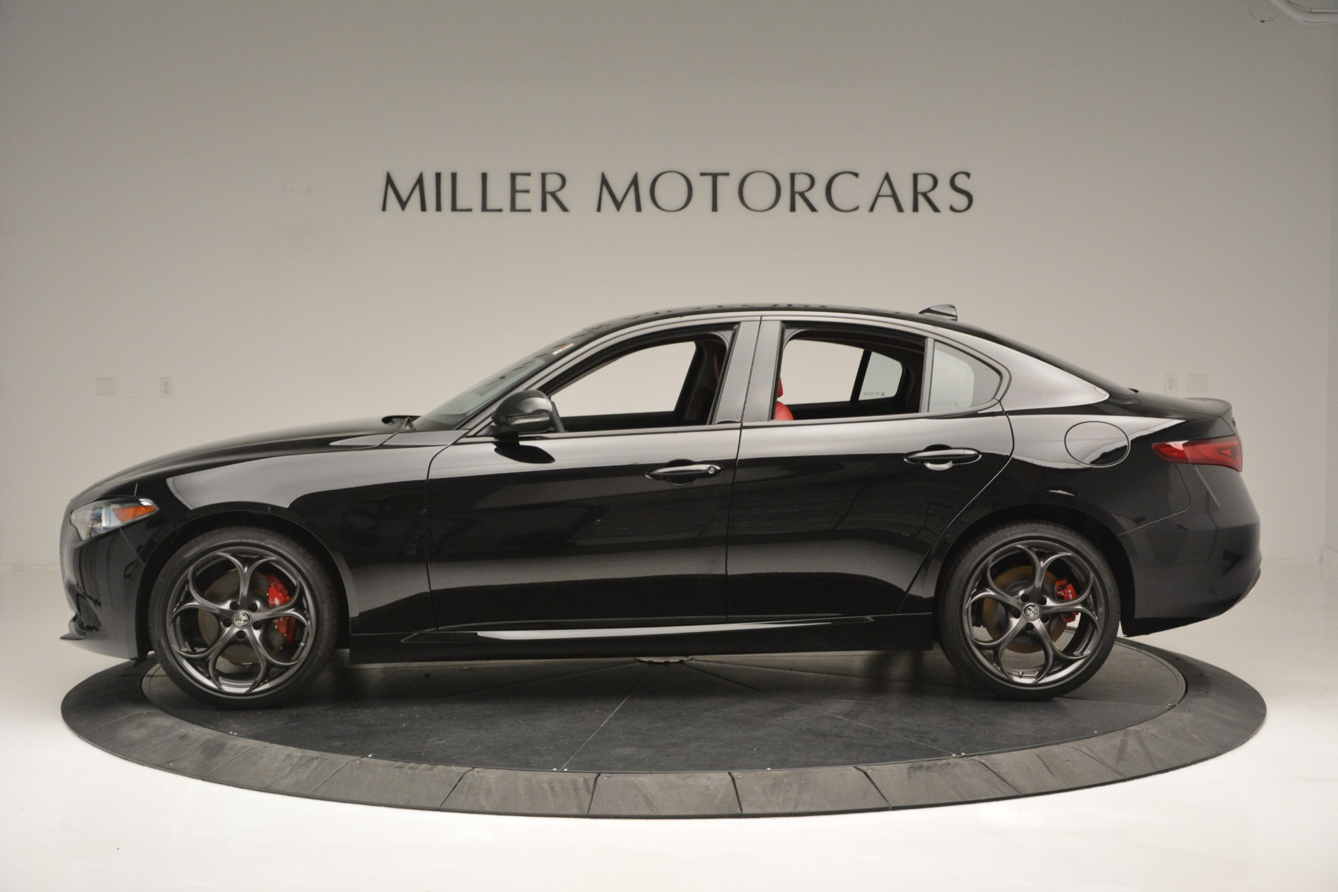 New 2019 Alfa Romeo Giulia Q4 For Sale In Greenwich, CT 2892_p3