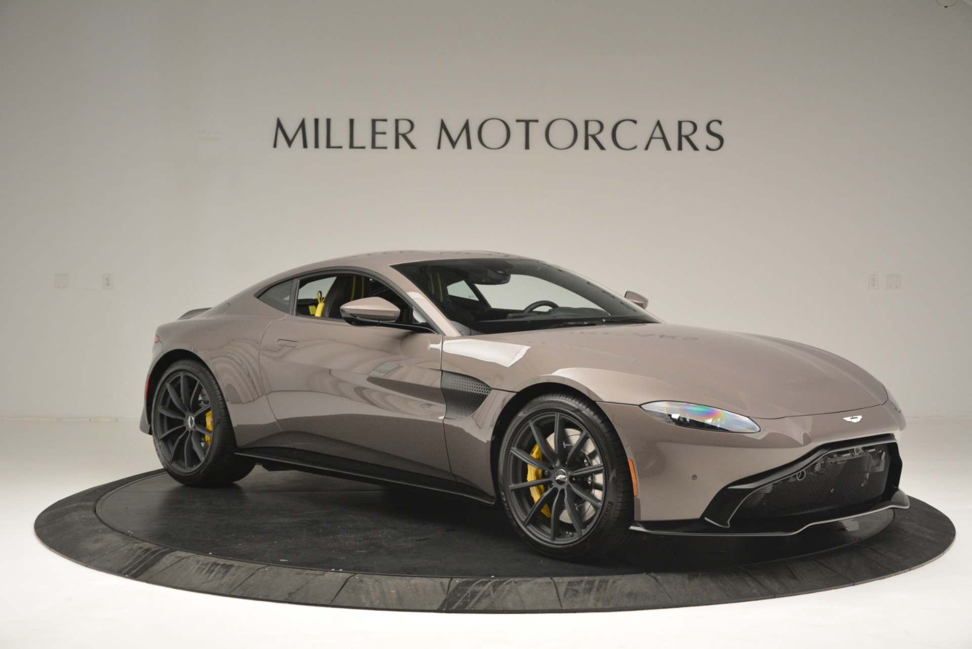 New 2019 Aston Martin Vantage Coupe For Sale In Greenwich, CT 2901_p10