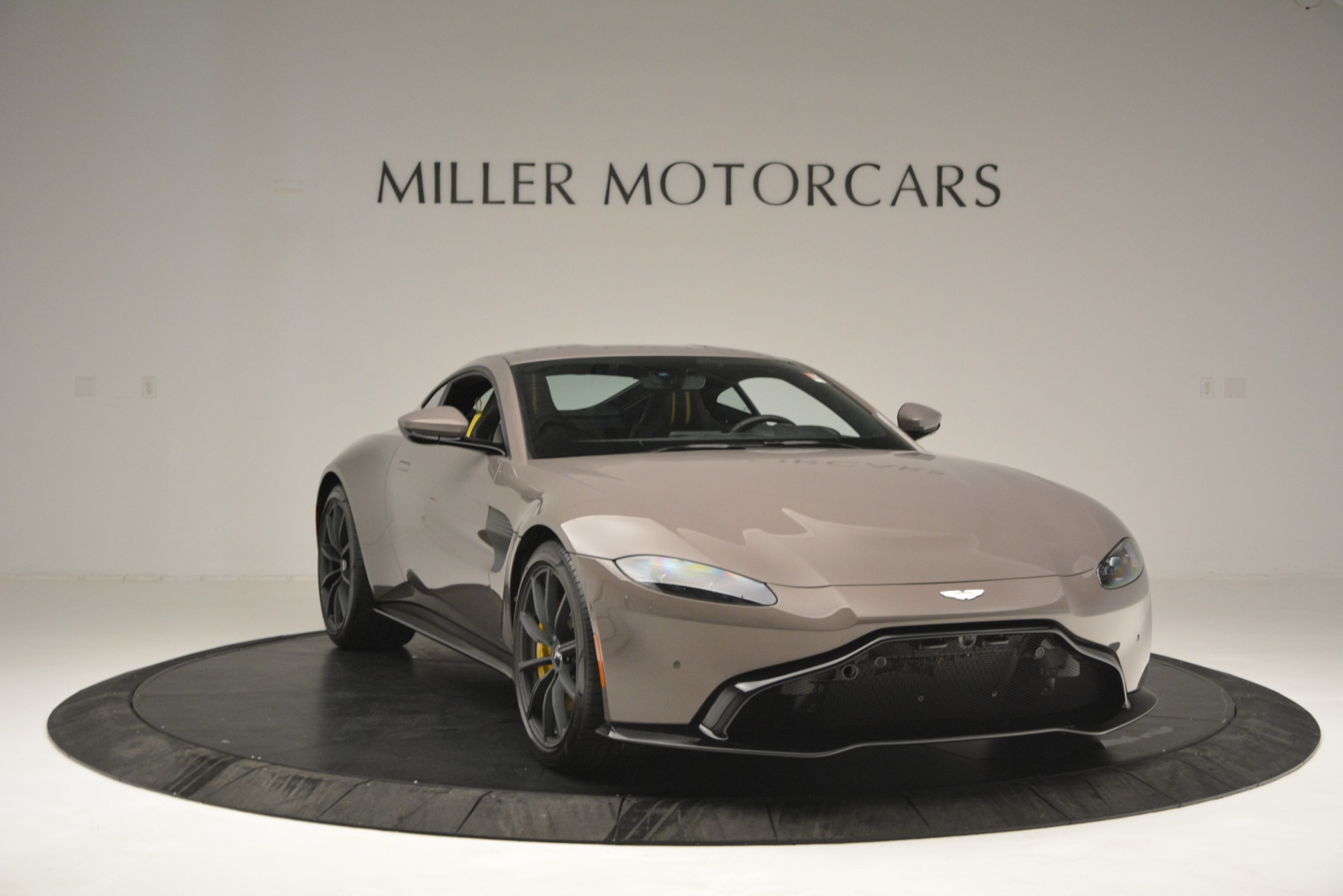 New 2019 Aston Martin Vantage Coupe For Sale In Greenwich, CT 2901_p11