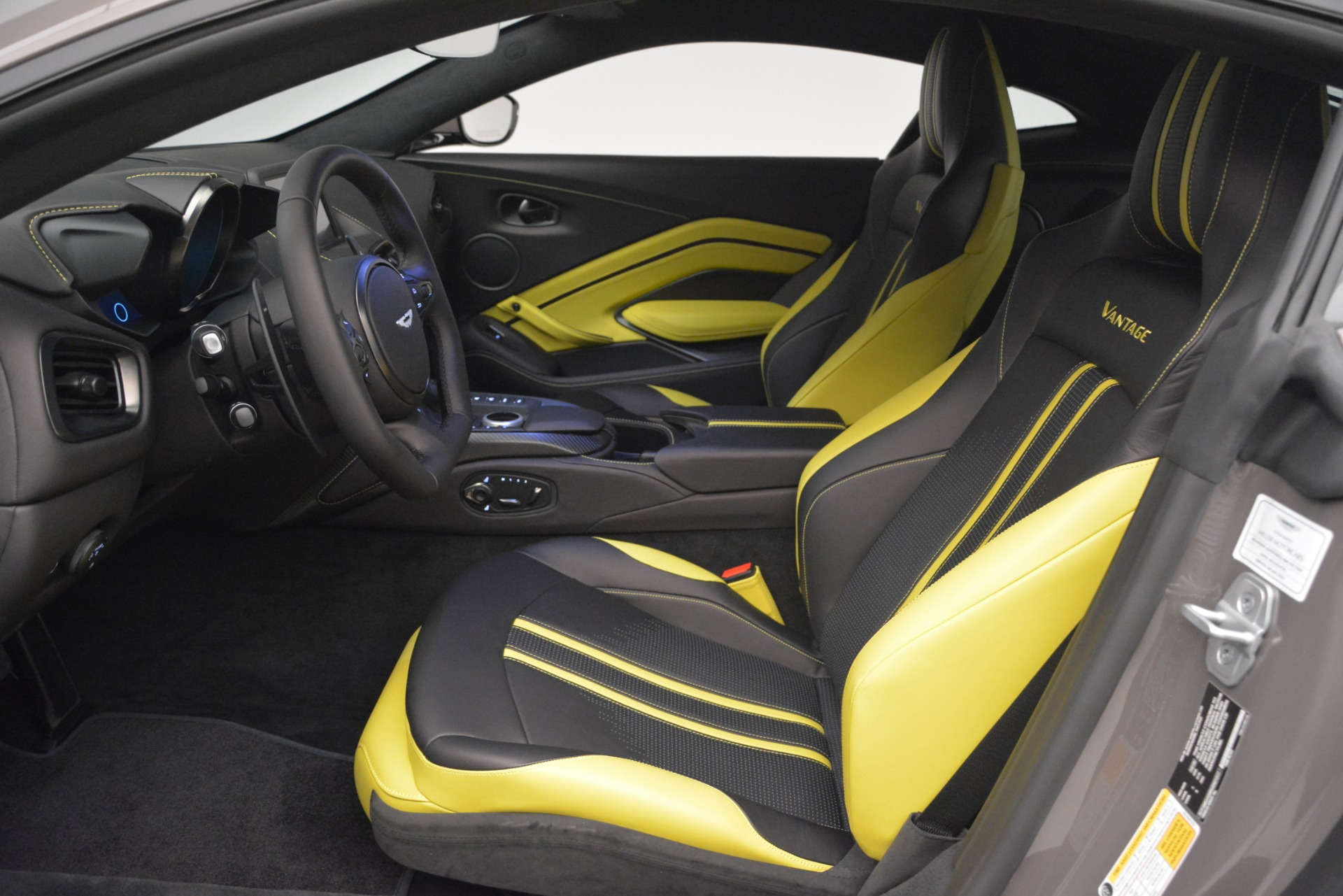 New 2019 Aston Martin Vantage Coupe For Sale In Greenwich, CT 2901_p13