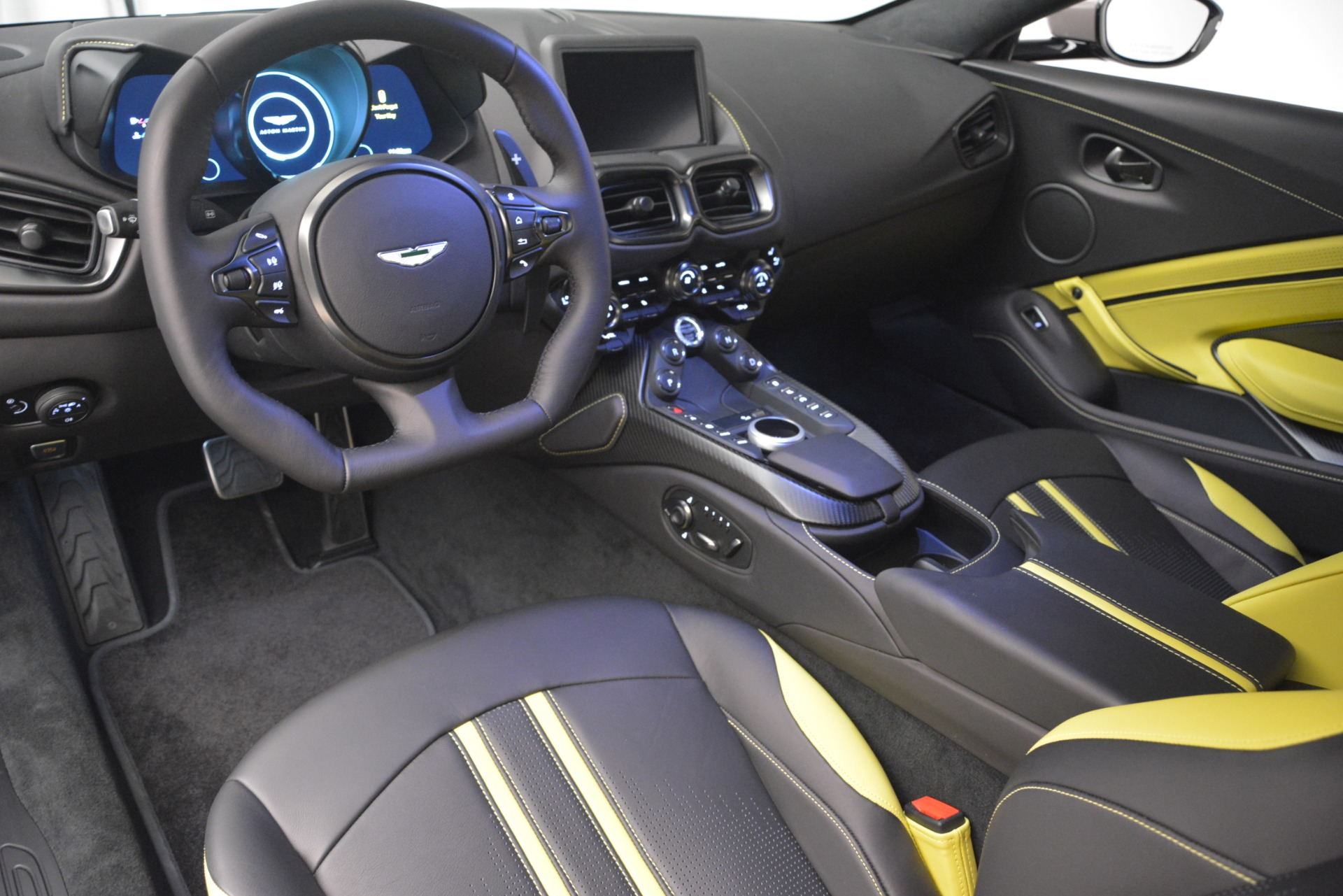 New 2019 Aston Martin Vantage Coupe For Sale In Greenwich, CT 2901_p14