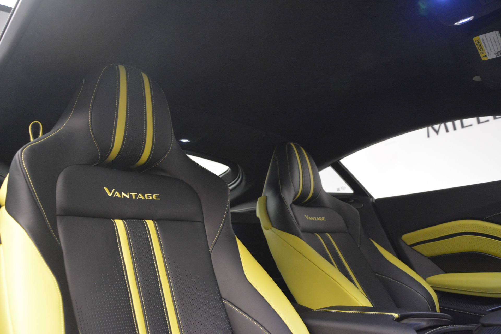 New 2019 Aston Martin Vantage Coupe For Sale In Greenwich, CT 2901_p17