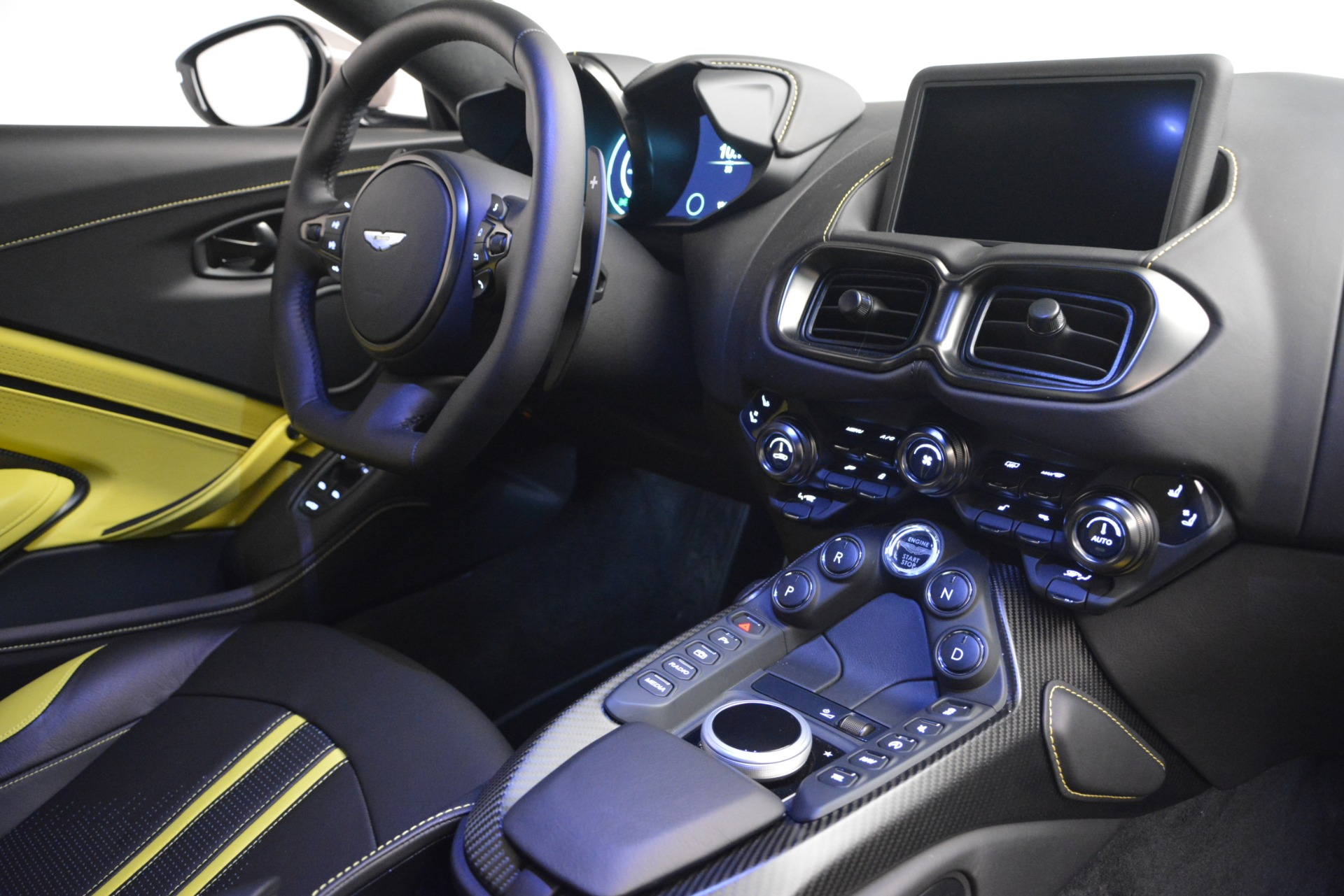Used 2019 Aston Martin Vantage Coupe For Sale In Greenwich, CT 2901_p18