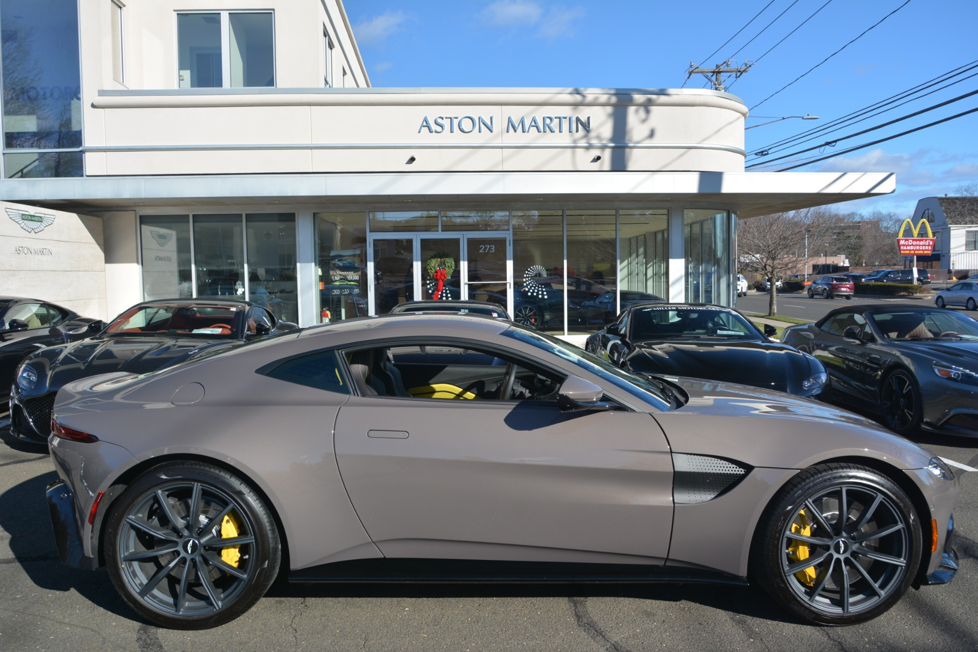 New 2019 Aston Martin Vantage Coupe For Sale In Greenwich, CT 2901_p23