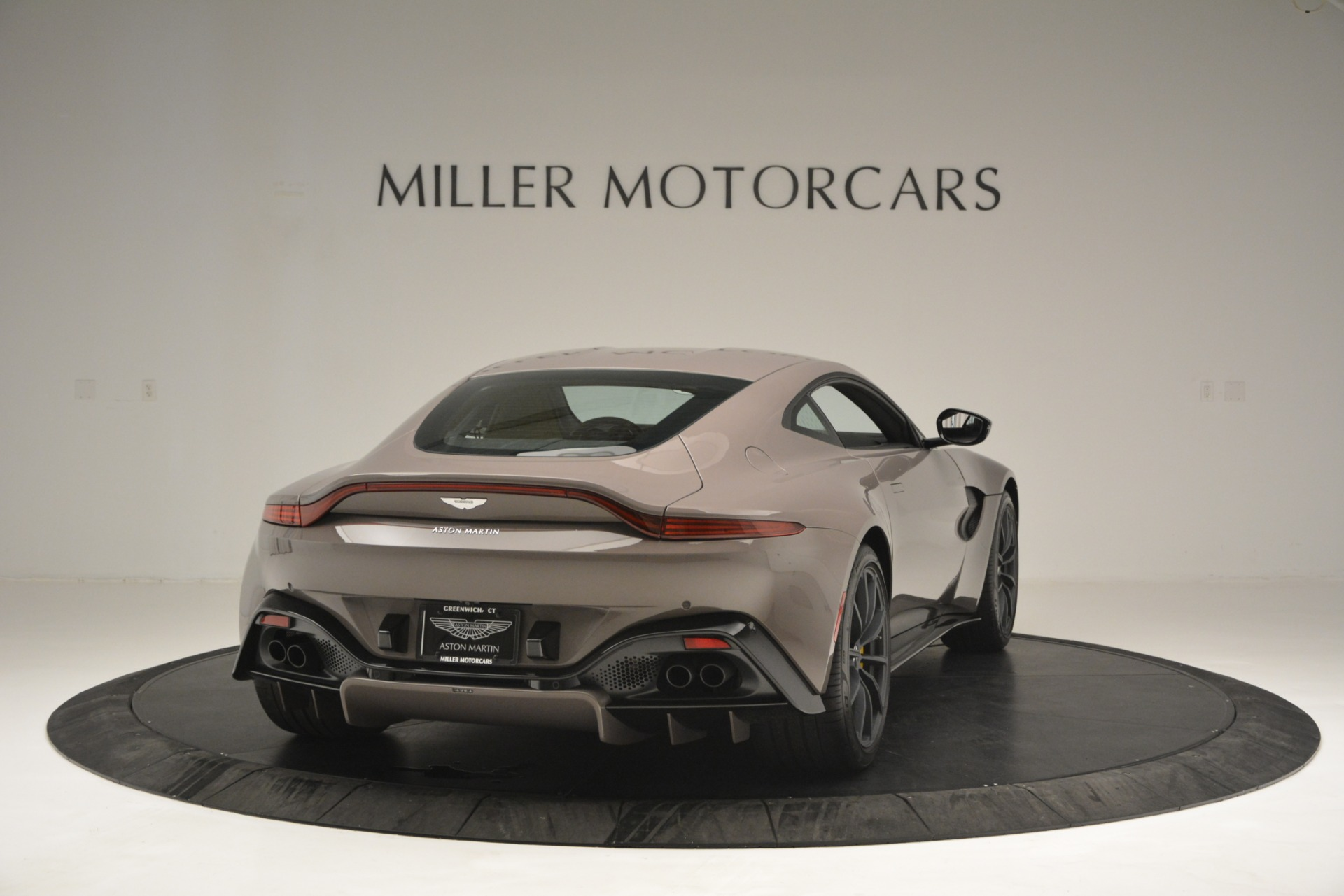Used 2019 Aston Martin Vantage Coupe For Sale In Greenwich, CT 2901_p3