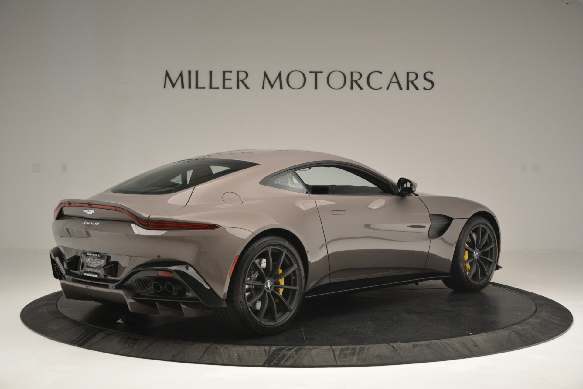 Used 2019 Aston Martin Vantage Coupe For Sale In Greenwich, CT 2901_p4