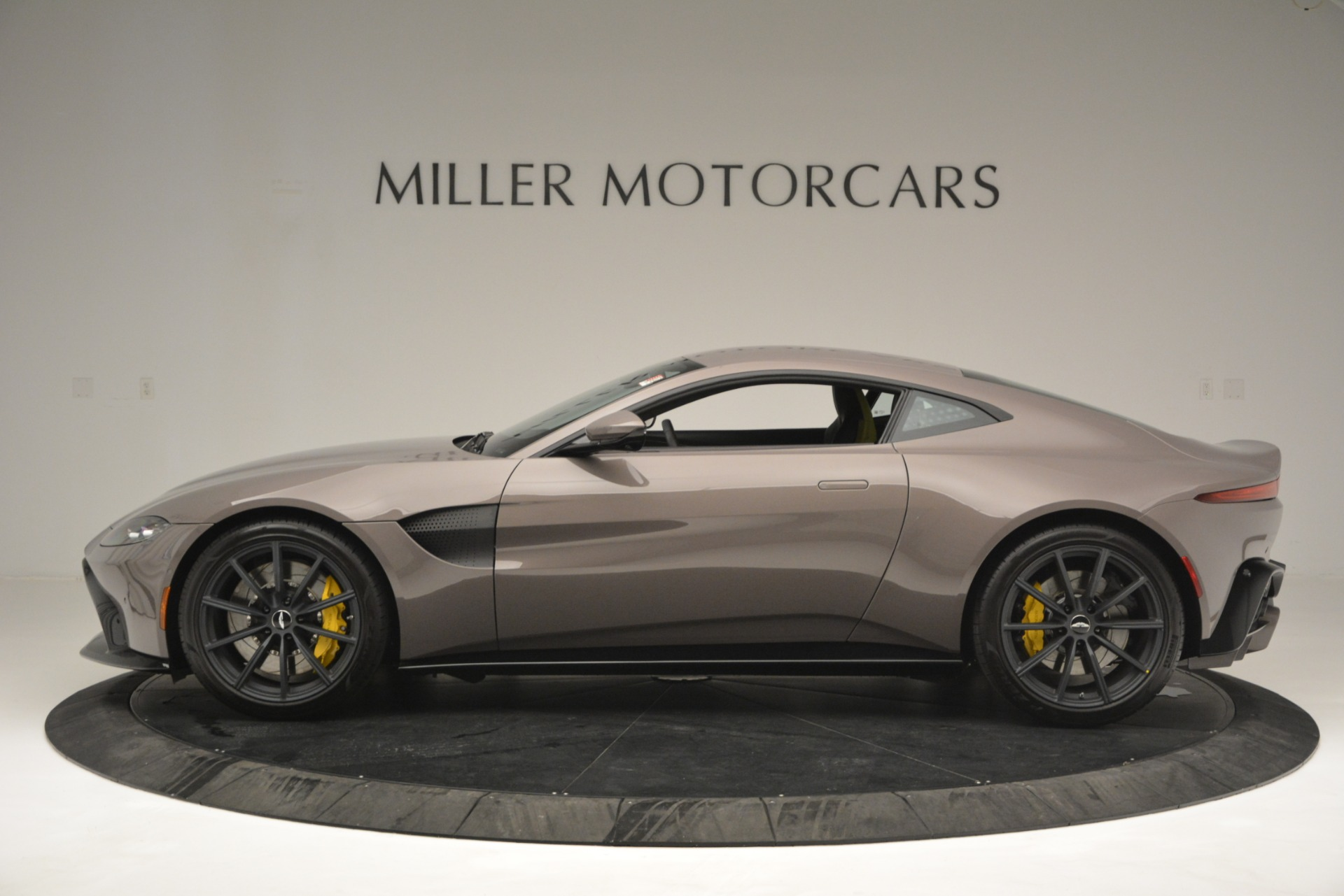 New 2019 Aston Martin Vantage Coupe For Sale In Greenwich, CT 2901_p5