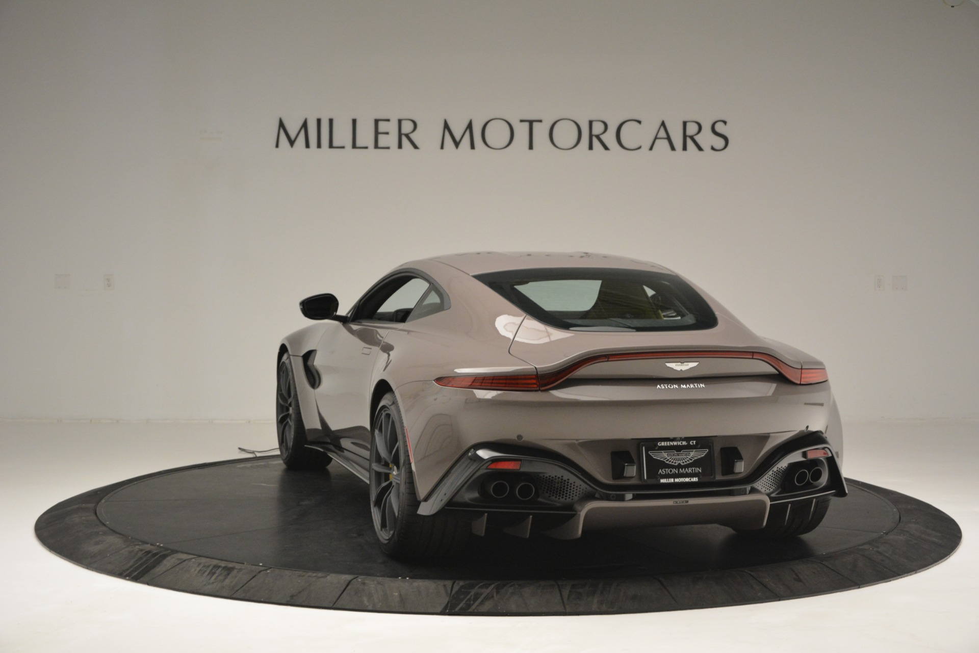 New 2019 Aston Martin Vantage Coupe For Sale In Greenwich, CT 2901_p7