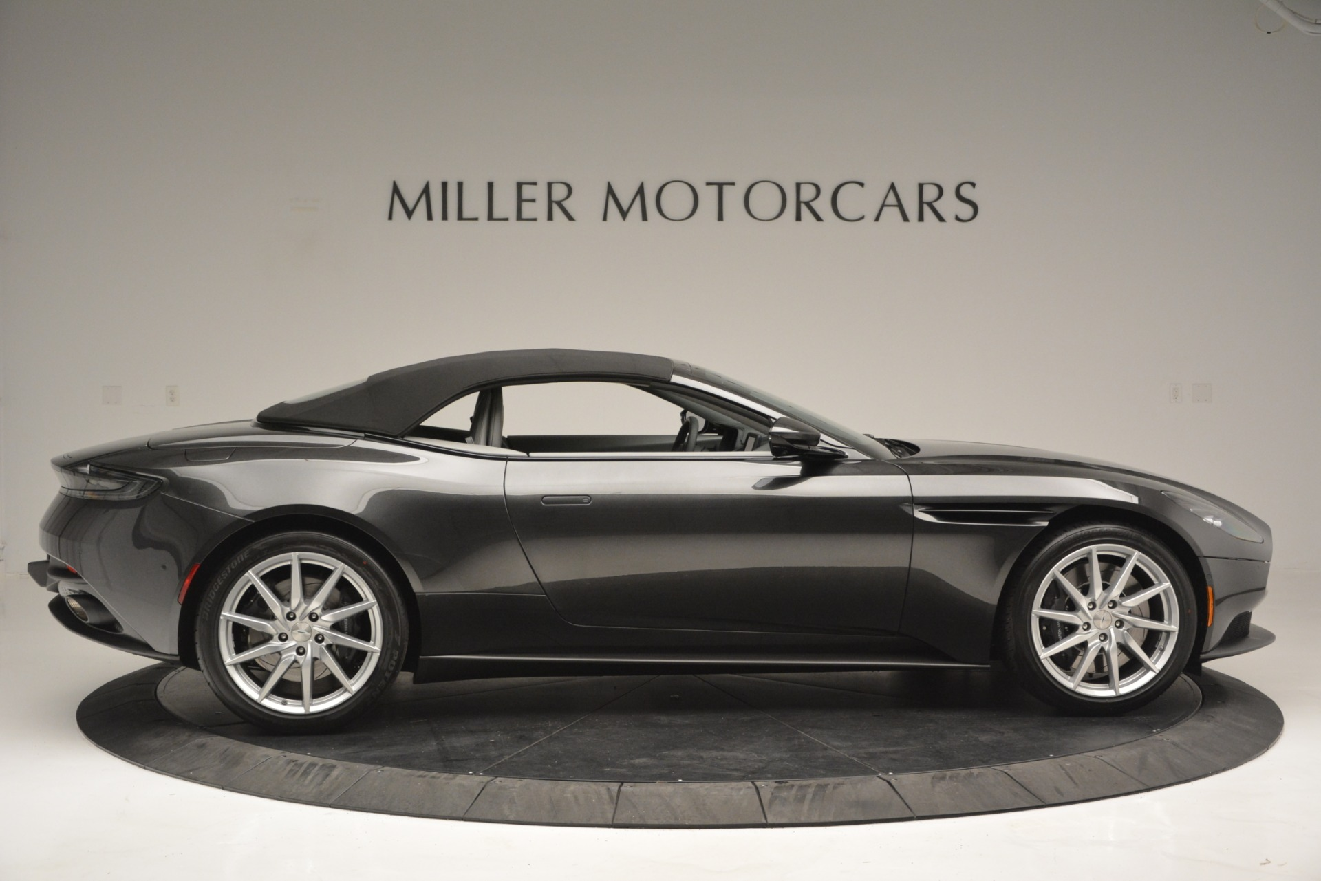 New 2019 Aston Martin DB11 V8 Convertible For Sale In Greenwich, CT 2902_p16