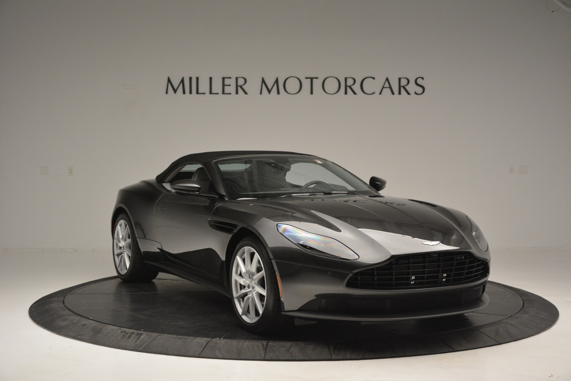 New 2019 Aston Martin DB11 V8 Convertible For Sale In Greenwich, CT 2902_p18
