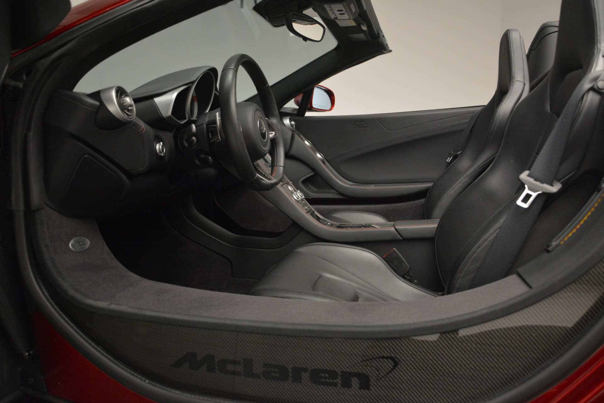 Used 2015 McLaren 650S Spider For Sale In Greenwich, CT 2904_p25