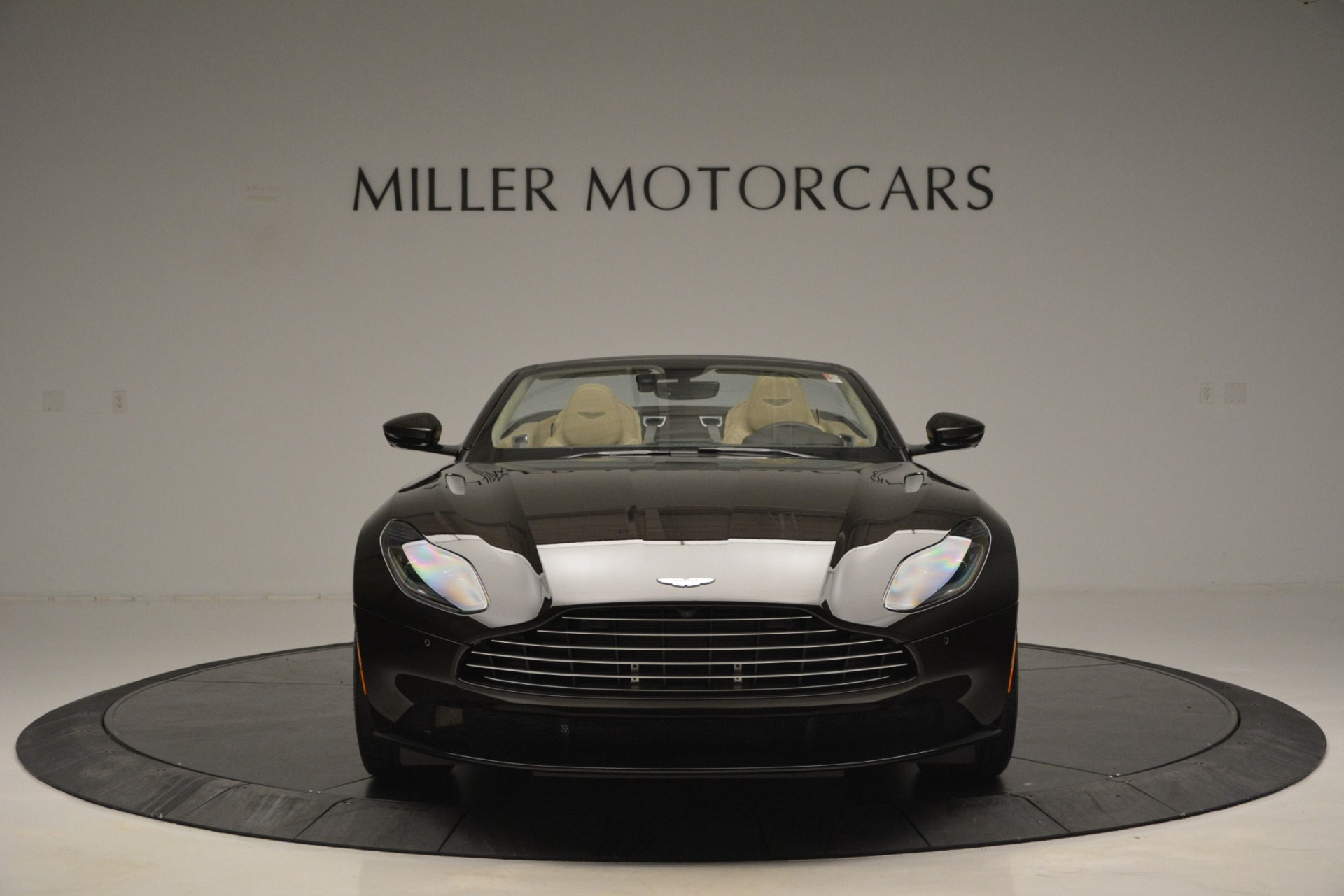 New 2019 Aston Martin DB11 V8 Convertible For Sale In Greenwich, CT 2905_p12
