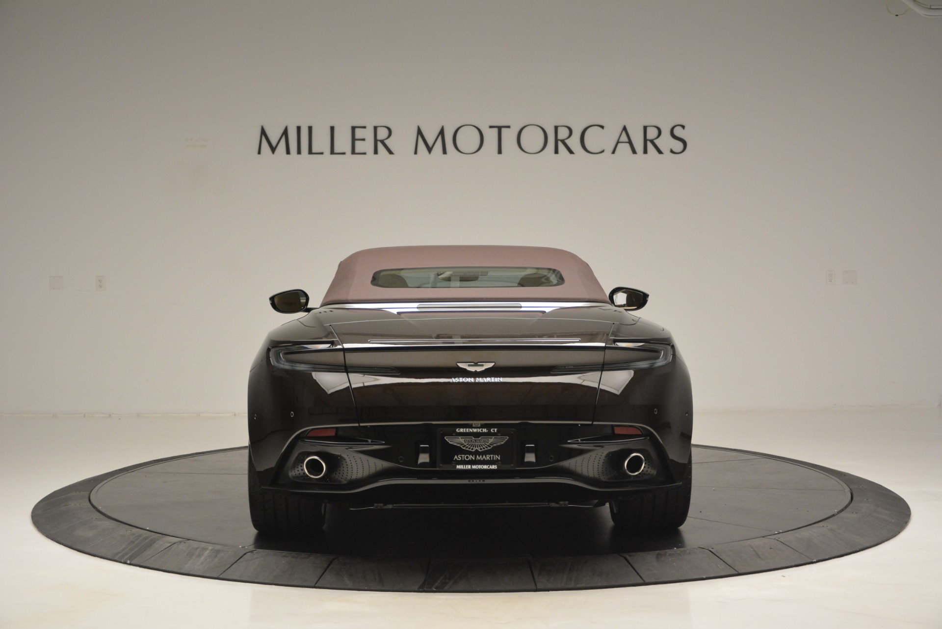 New 2019 Aston Martin DB11 V8 Convertible For Sale In Greenwich, CT 2905_p18