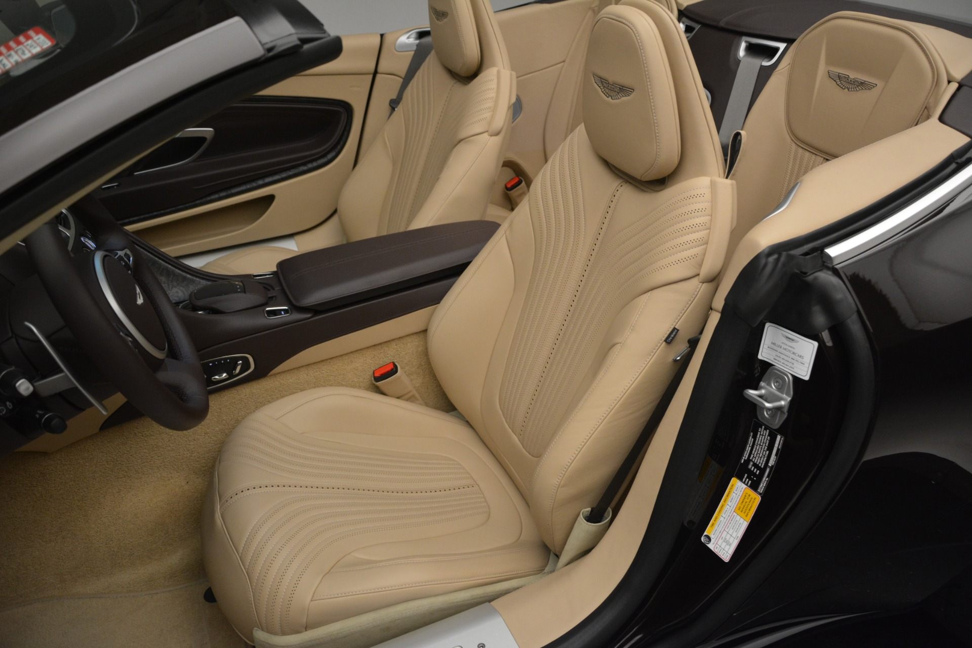 New 2019 Aston Martin DB11 V8 Convertible For Sale In Greenwich, CT 2905_p28