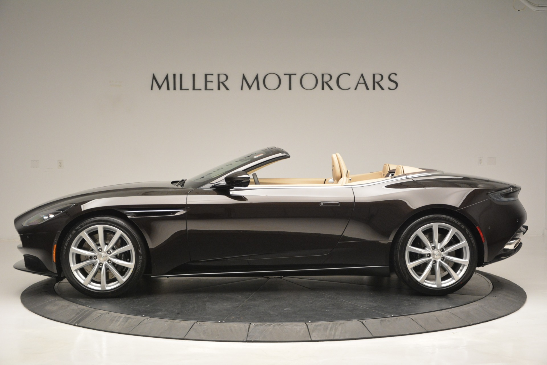 New 2019 Aston Martin DB11 V8 Convertible For Sale In Greenwich, CT 2905_p3