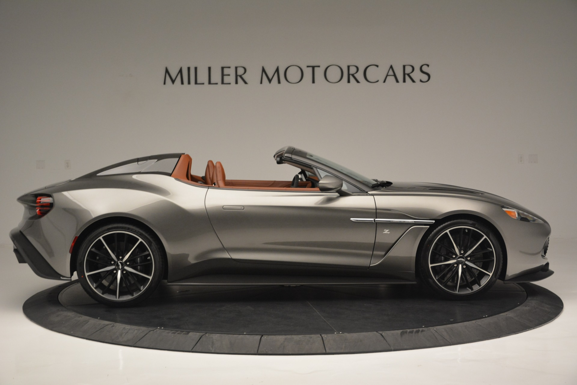 Used 2018 Aston Martin Zagato Speedster Convertible For Sale In Greenwich, CT 2916_p9