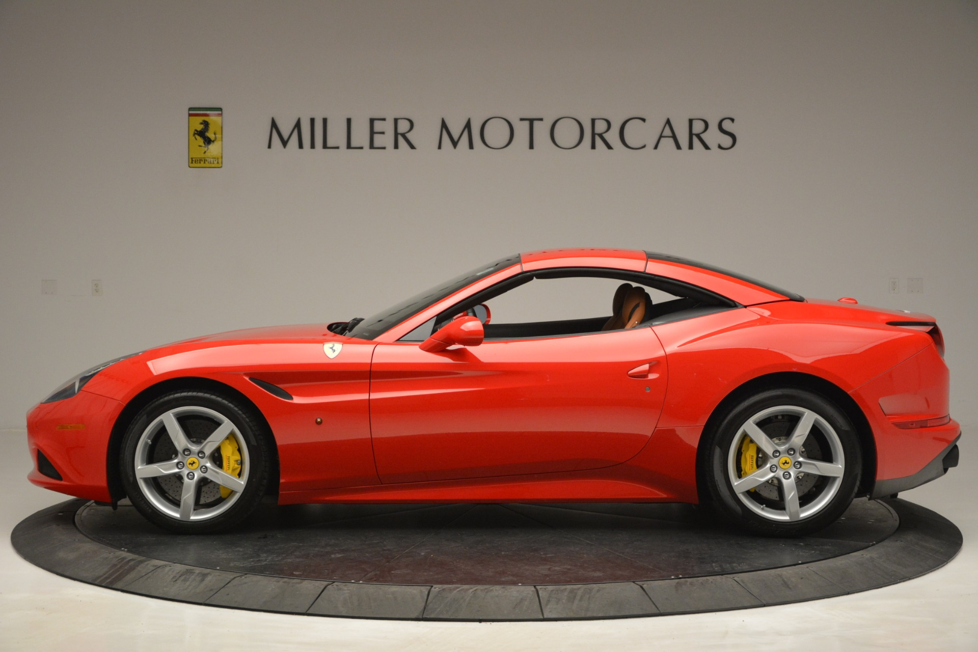Used 2016 Ferrari California T Handling Speciale For Sale In Greenwich, CT 2921_p14