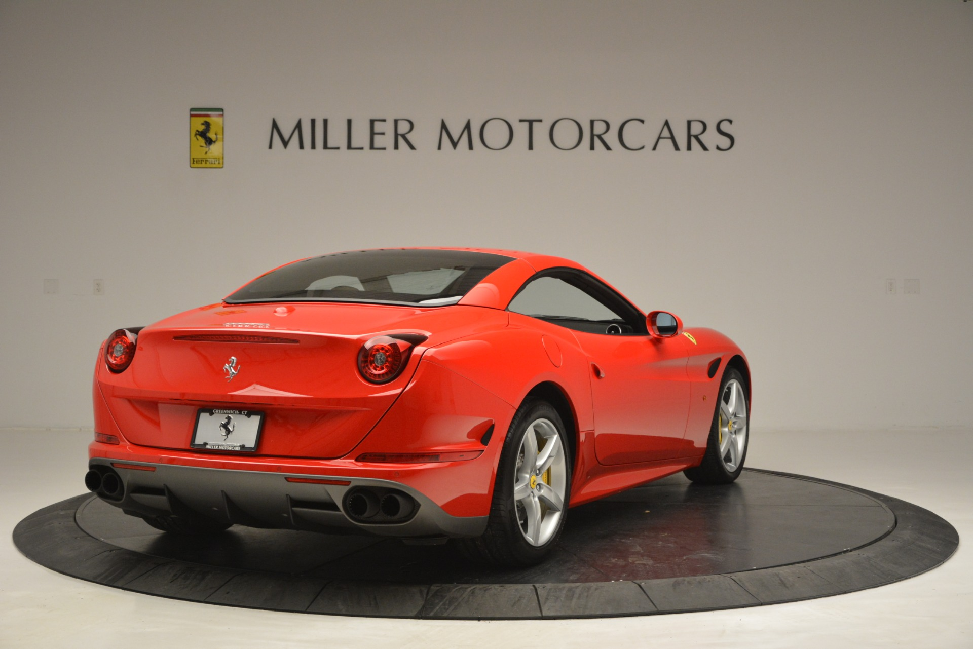 Used 2016 Ferrari California T Handling Speciale For Sale In Greenwich, CT 2921_p18