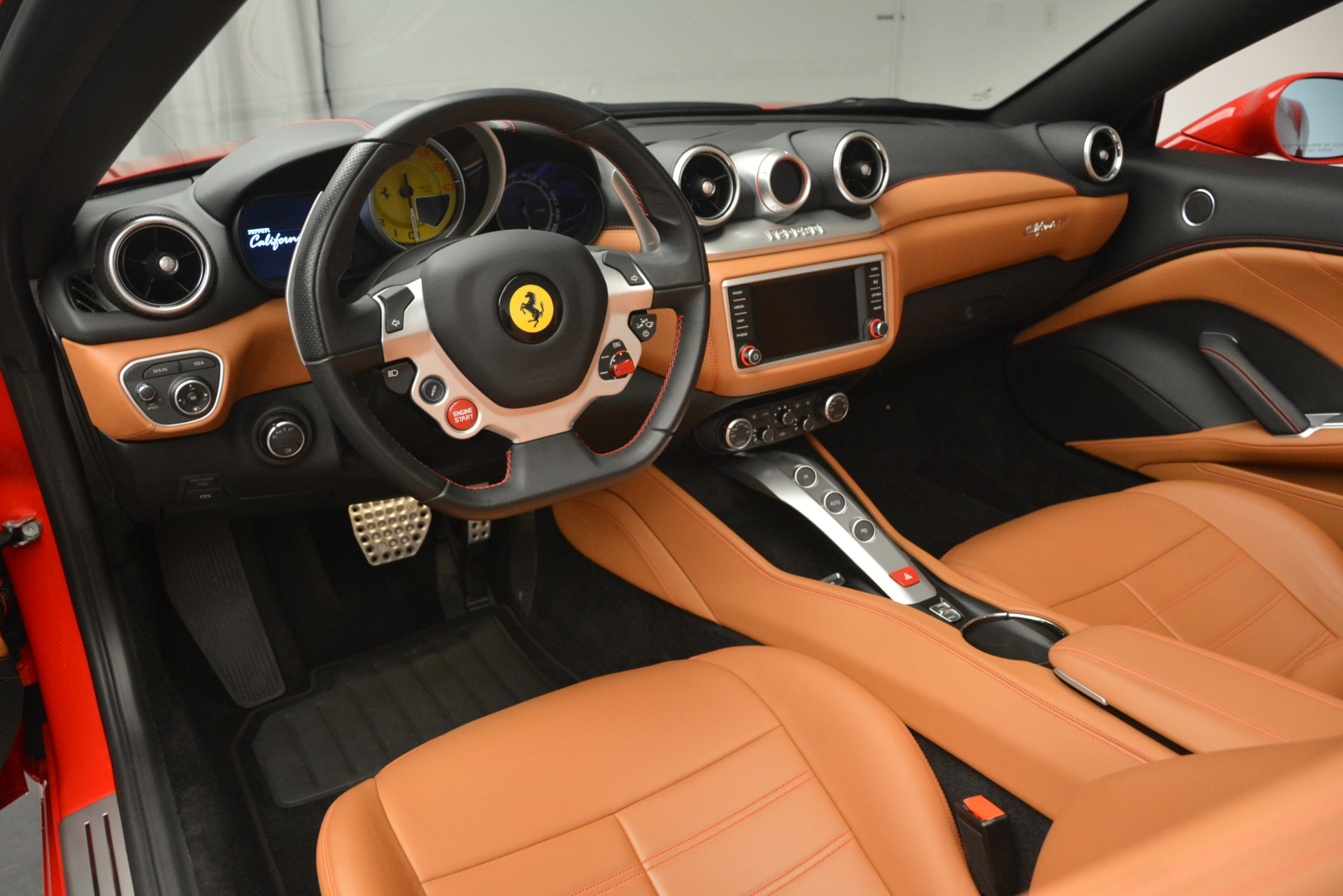 Used 2016 Ferrari California T Handling Speciale For Sale In Greenwich, CT 2921_p24