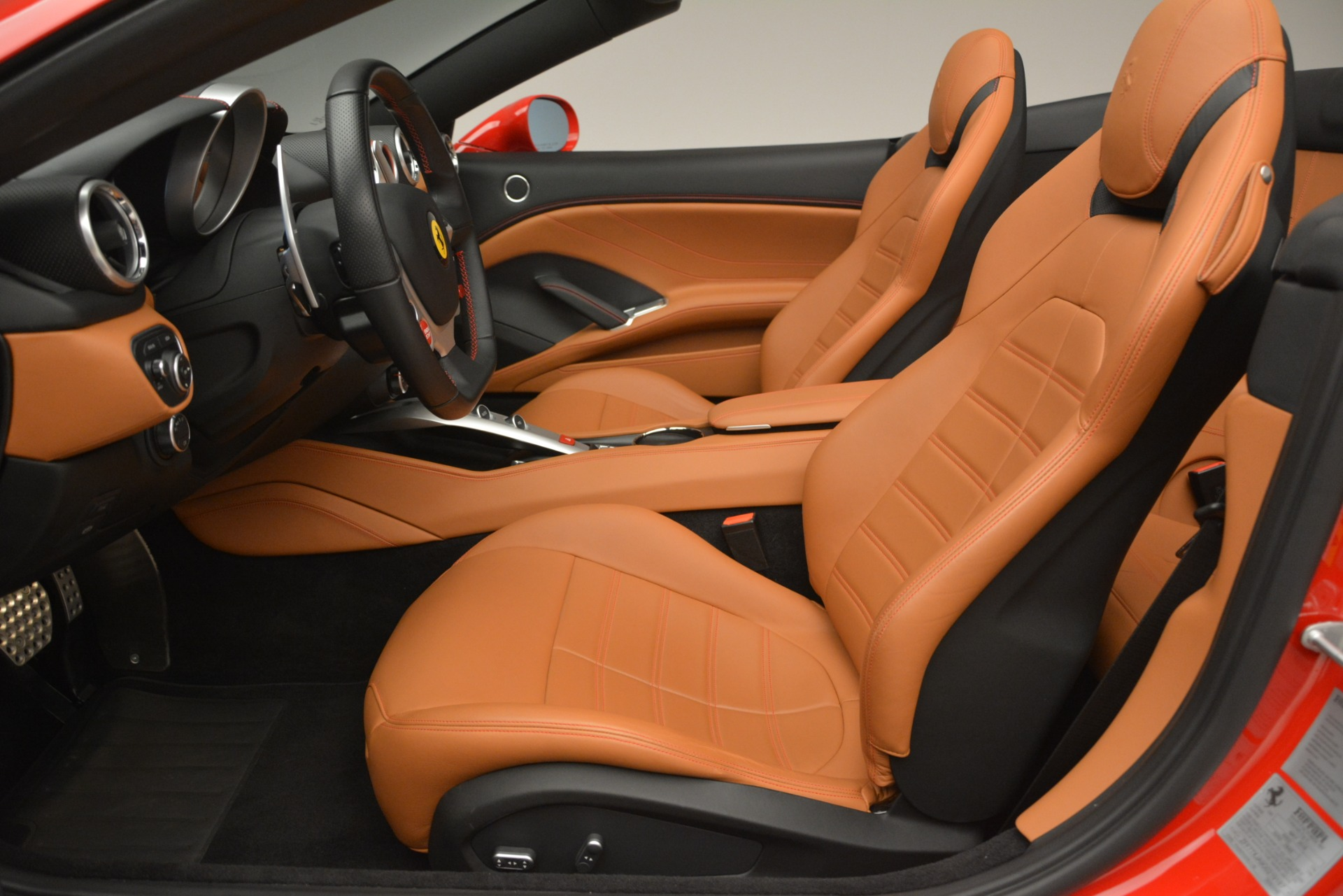 Used 2016 Ferrari California T Handling Speciale For Sale In Greenwich, CT 2921_p25