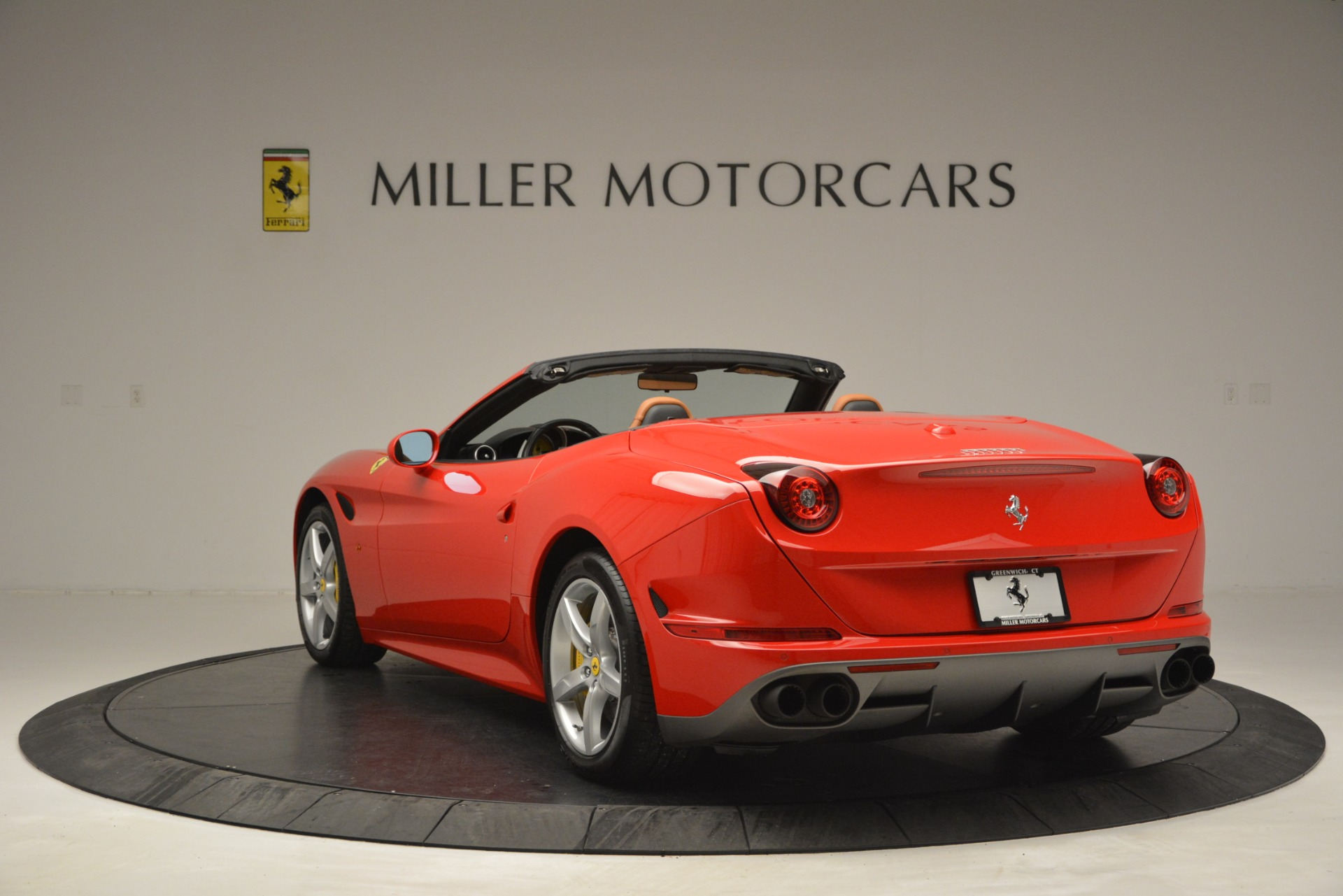 Used 2016 Ferrari California T Handling Speciale For Sale In Greenwich, CT 2921_p5