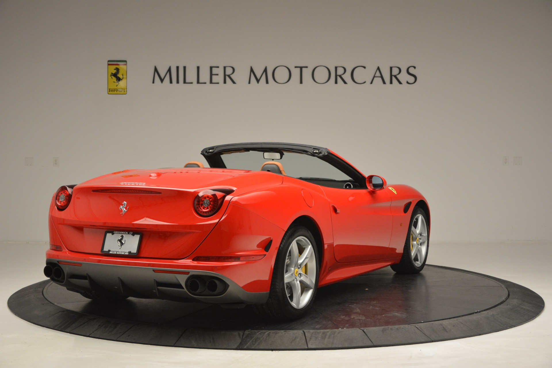 Used 2016 Ferrari California T Handling Speciale For Sale In Greenwich, CT 2921_p7