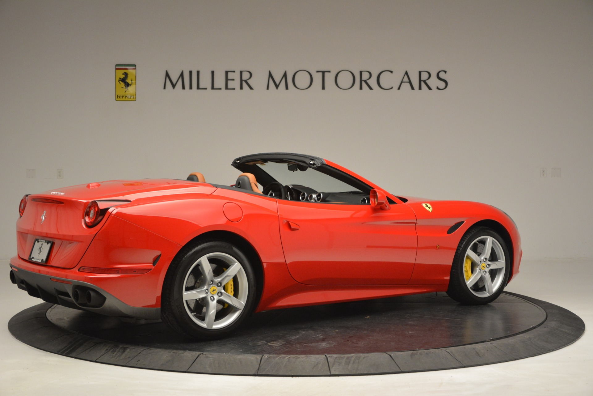 Used 2016 Ferrari California T Handling Speciale For Sale In Greenwich, CT 2921_p8