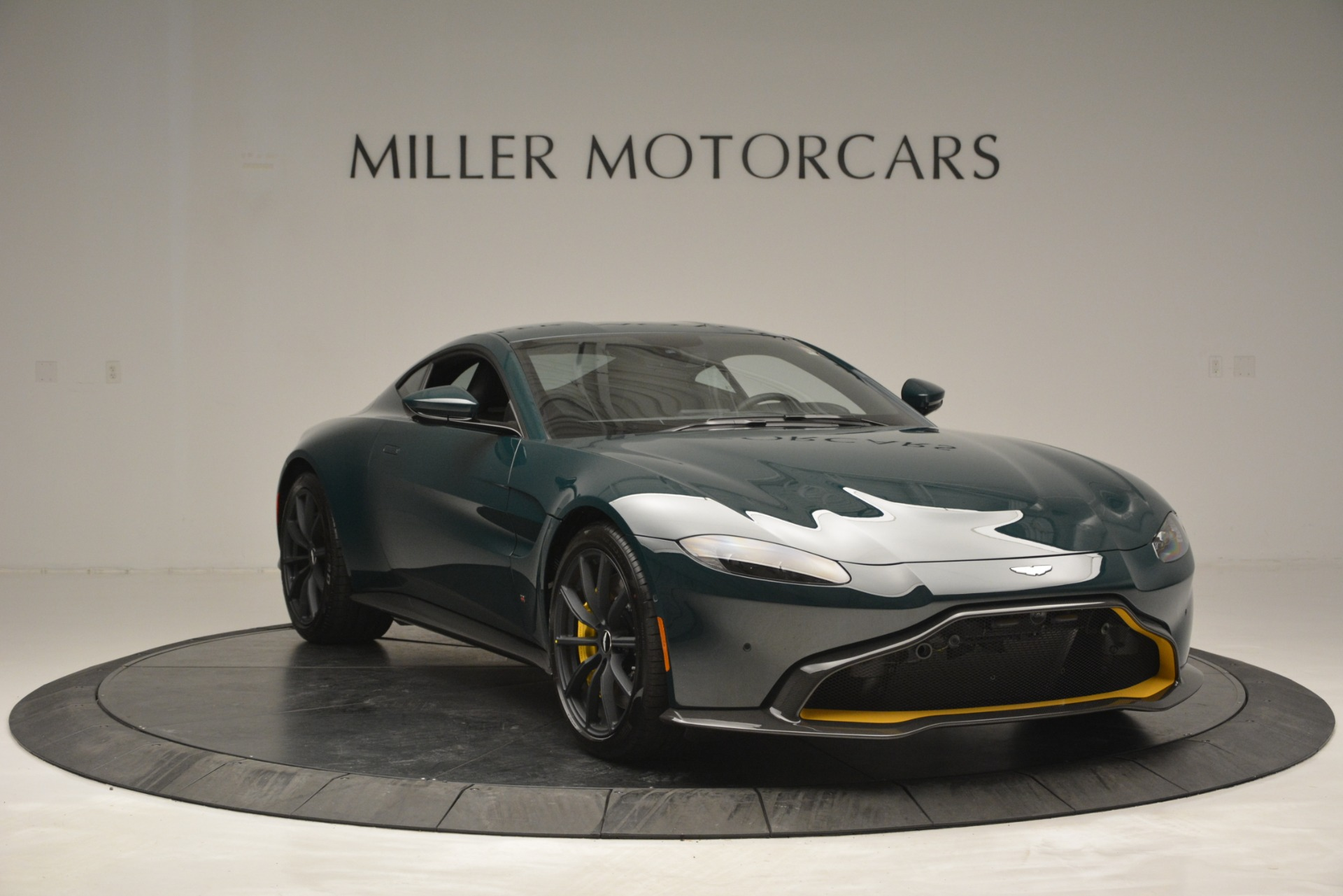 Used 2019 Aston Martin Vantage Coupe For Sale In Greenwich, CT 2929_p11