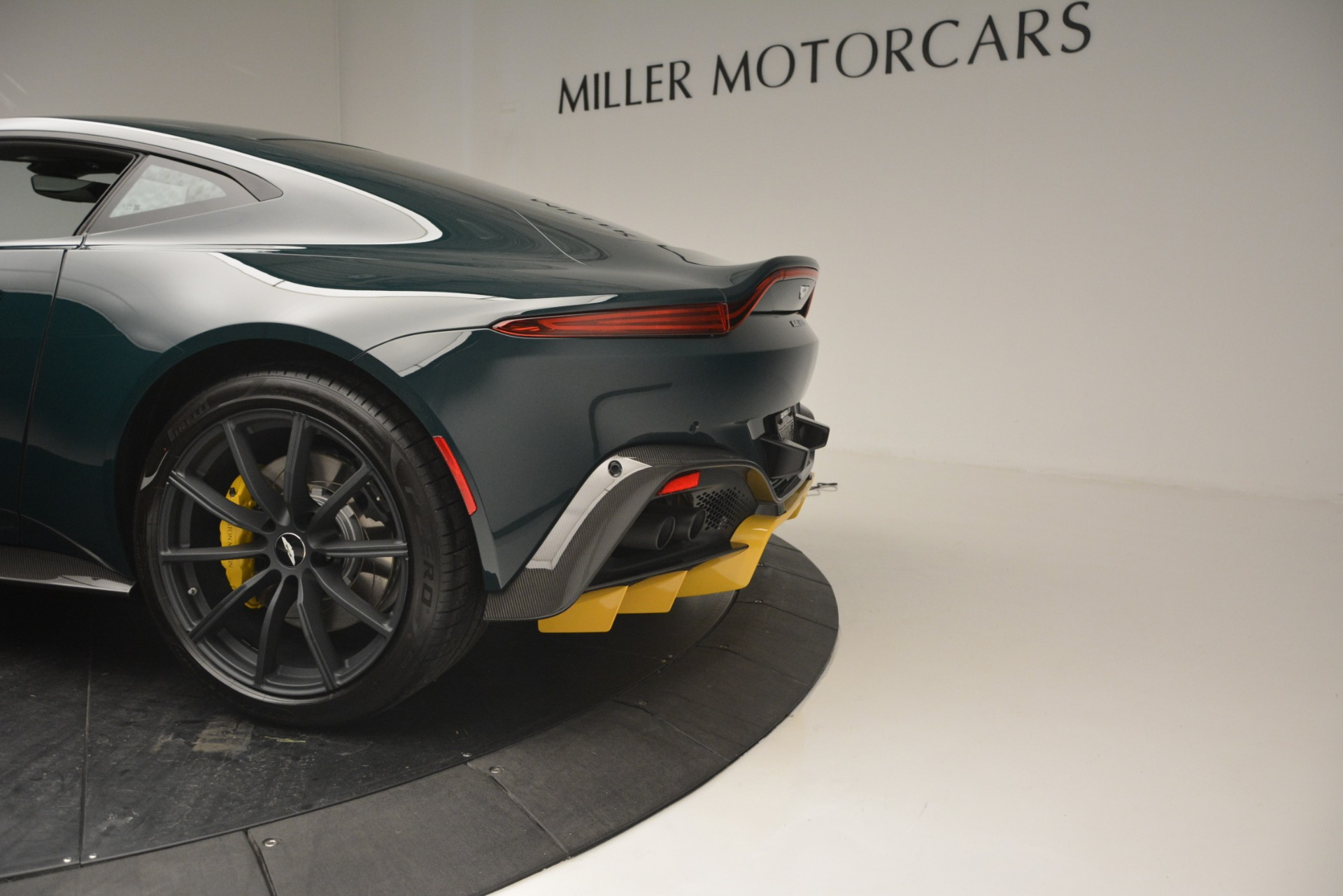Used 2019 Aston Martin Vantage Coupe For Sale In Greenwich, CT 2929_p17
