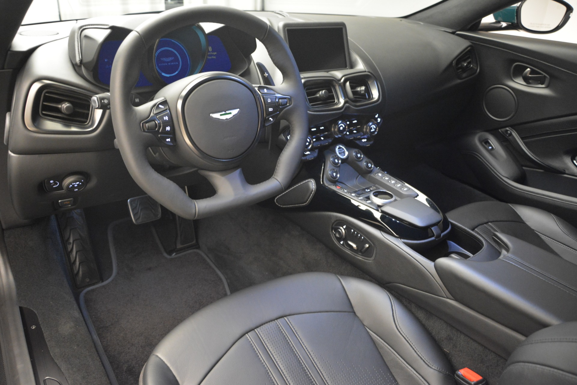 New 2019 Aston Martin Vantage Coupe For Sale In Greenwich, CT 2929_p21
