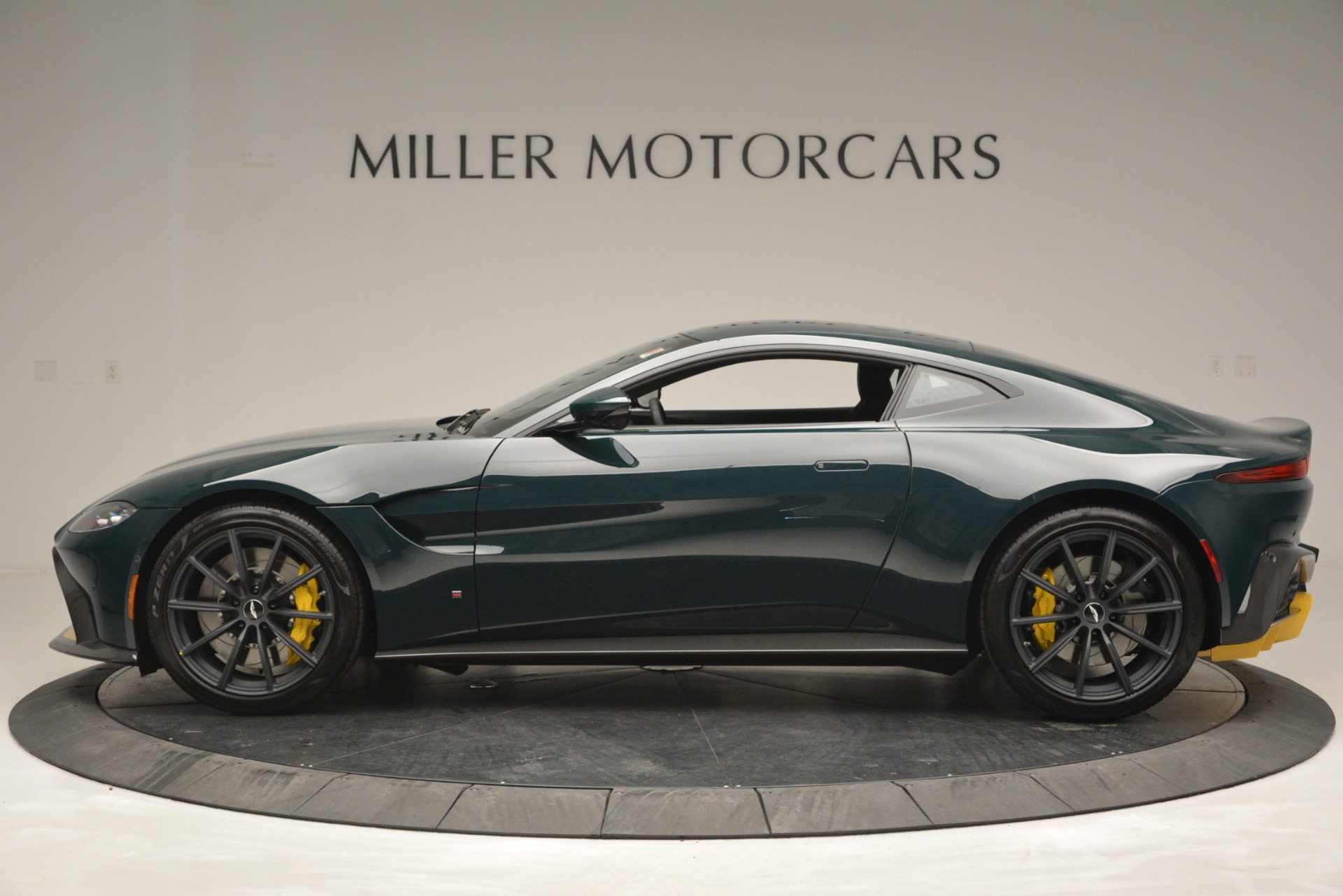 Used 2019 Aston Martin Vantage Coupe For Sale In Greenwich, CT 2929_p3