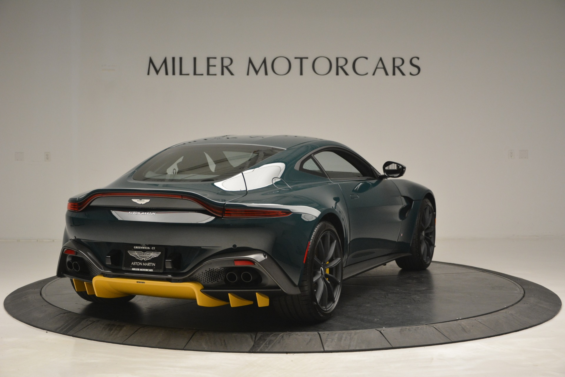 New 2019 Aston Martin Vantage Coupe For Sale In Greenwich, CT 2929_p7