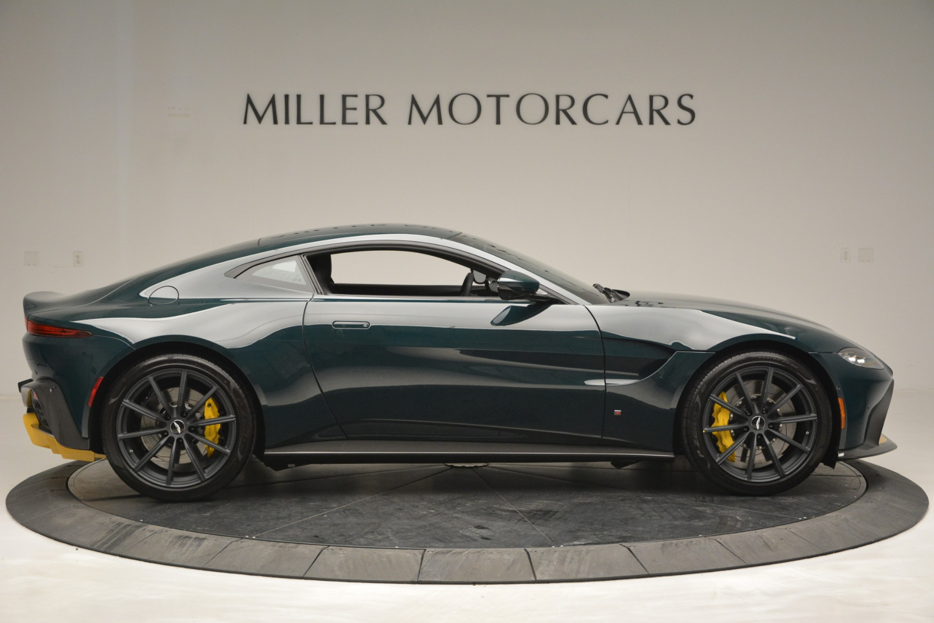 Used 2019 Aston Martin Vantage Coupe For Sale In Greenwich, CT 2929_p9
