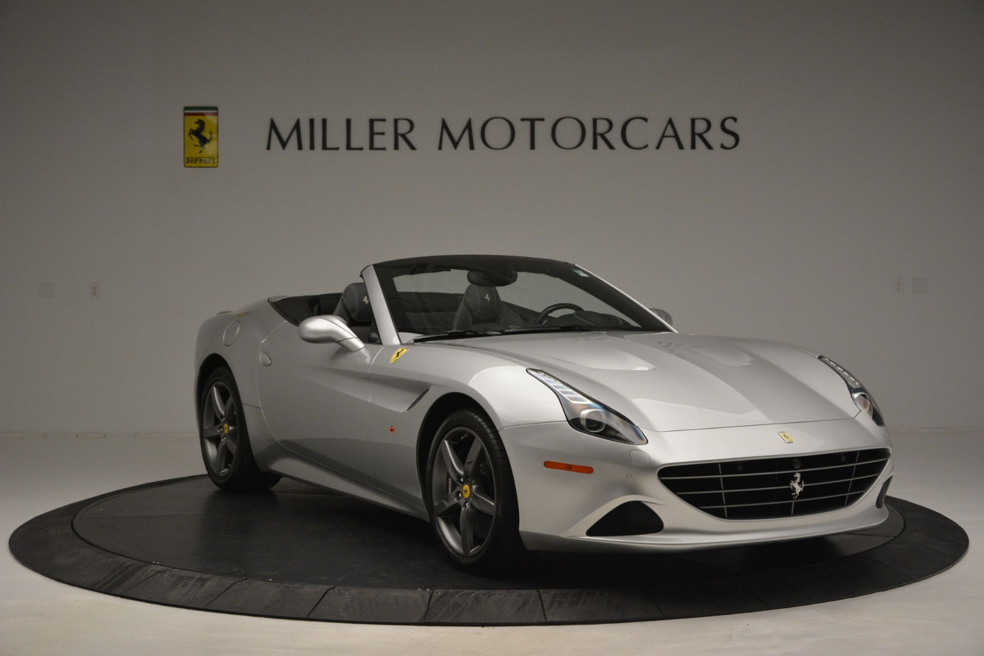 Used 2017 Ferrari California T Handling Speciale For Sale In Greenwich, CT 2931_p11