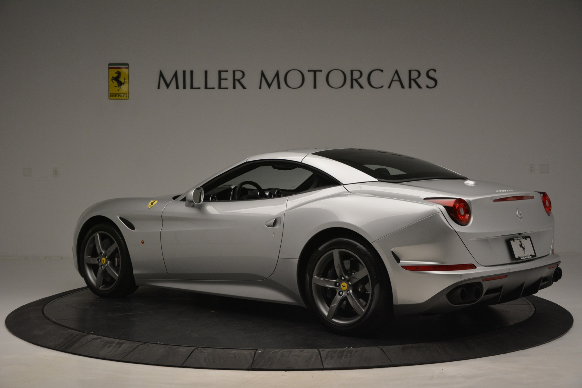 Used 2017 Ferrari California T Handling Speciale For Sale In Greenwich, CT 2931_p16