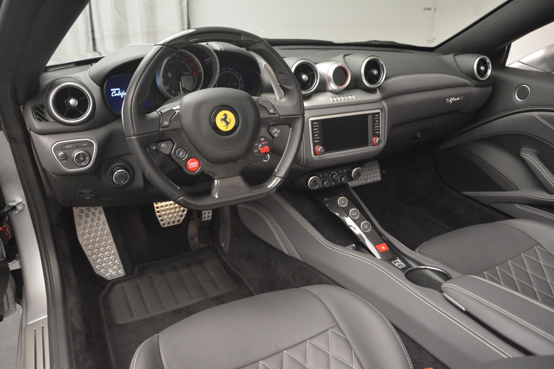 Used 2017 Ferrari California T Handling Speciale For Sale In Greenwich, CT 2931_p25