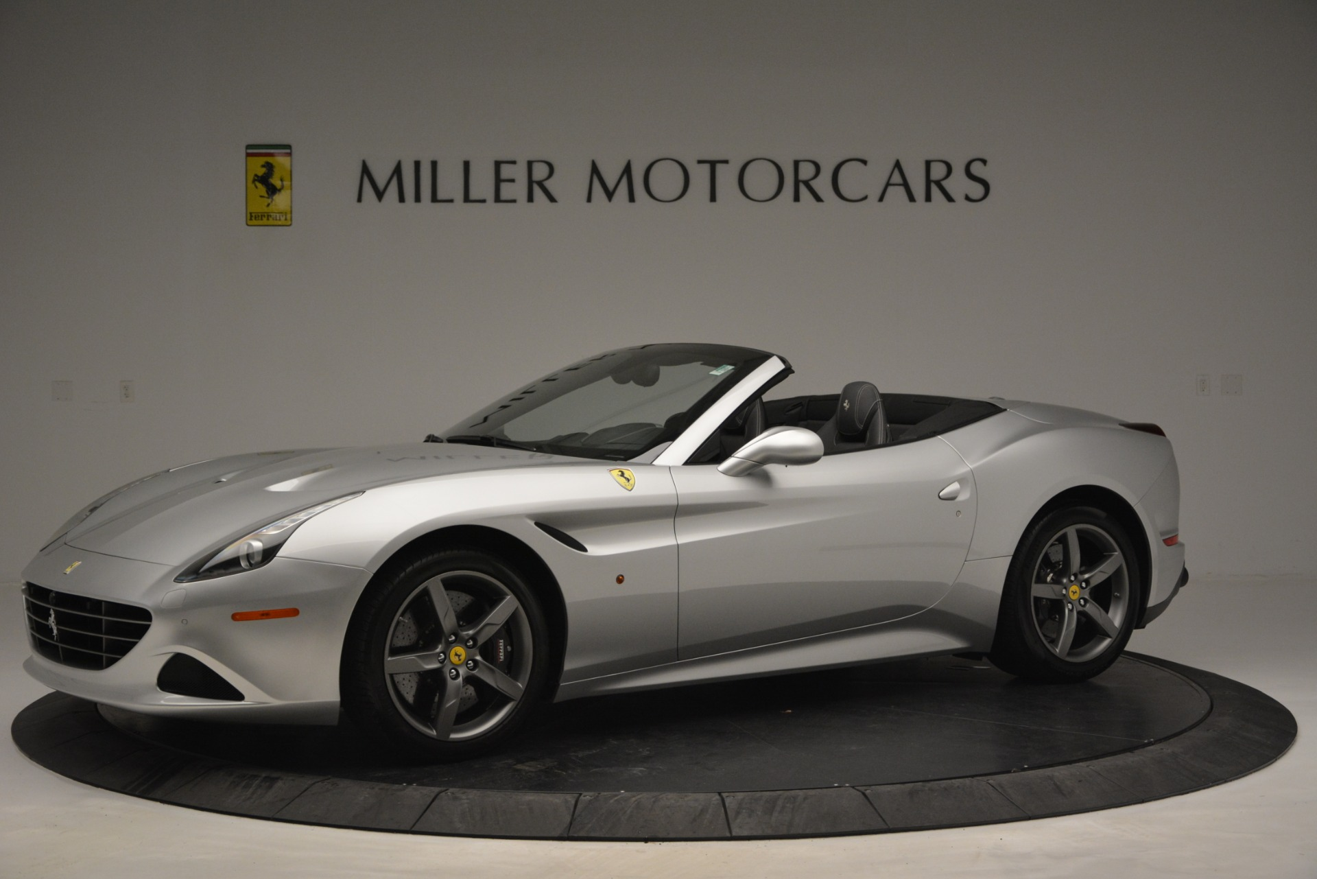 Used 2017 Ferrari California T Handling Speciale For Sale In Greenwich, CT 2931_p2