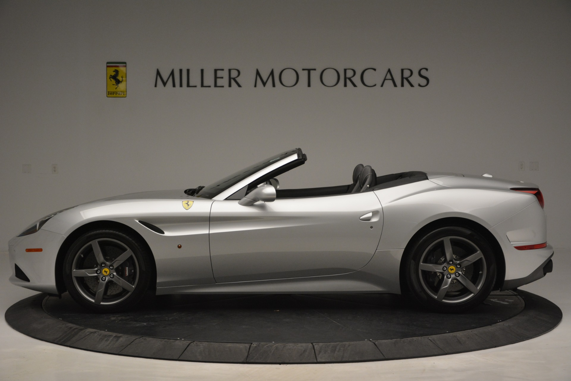 Used 2017 Ferrari California T Handling Speciale For Sale In Greenwich, CT 2931_p3