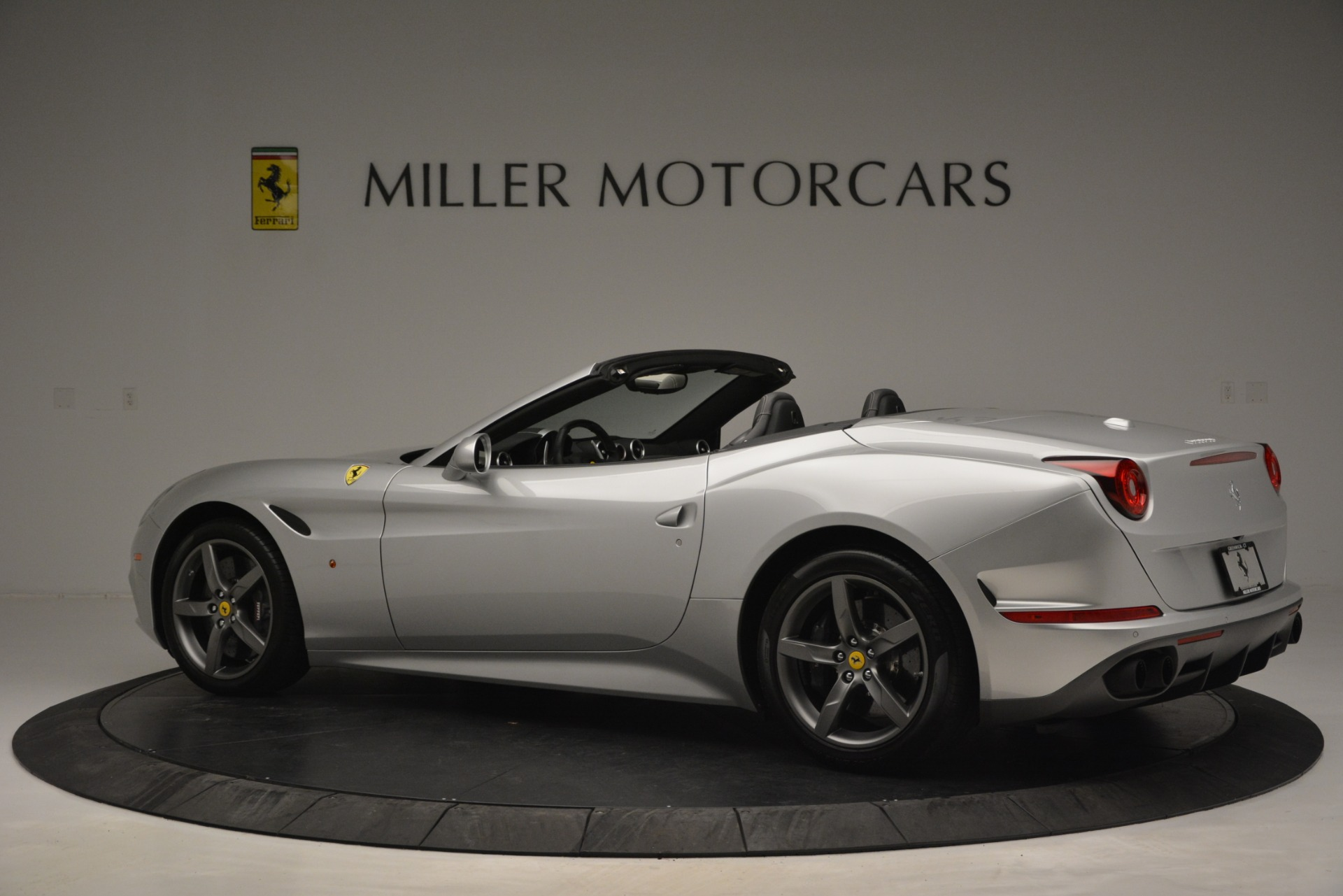 Used 2017 Ferrari California T Handling Speciale For Sale In Greenwich, CT 2931_p4
