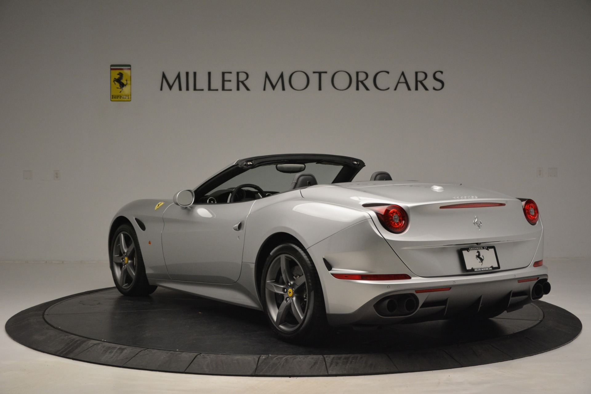 Used 2017 Ferrari California T Handling Speciale For Sale In Greenwich, CT 2931_p5