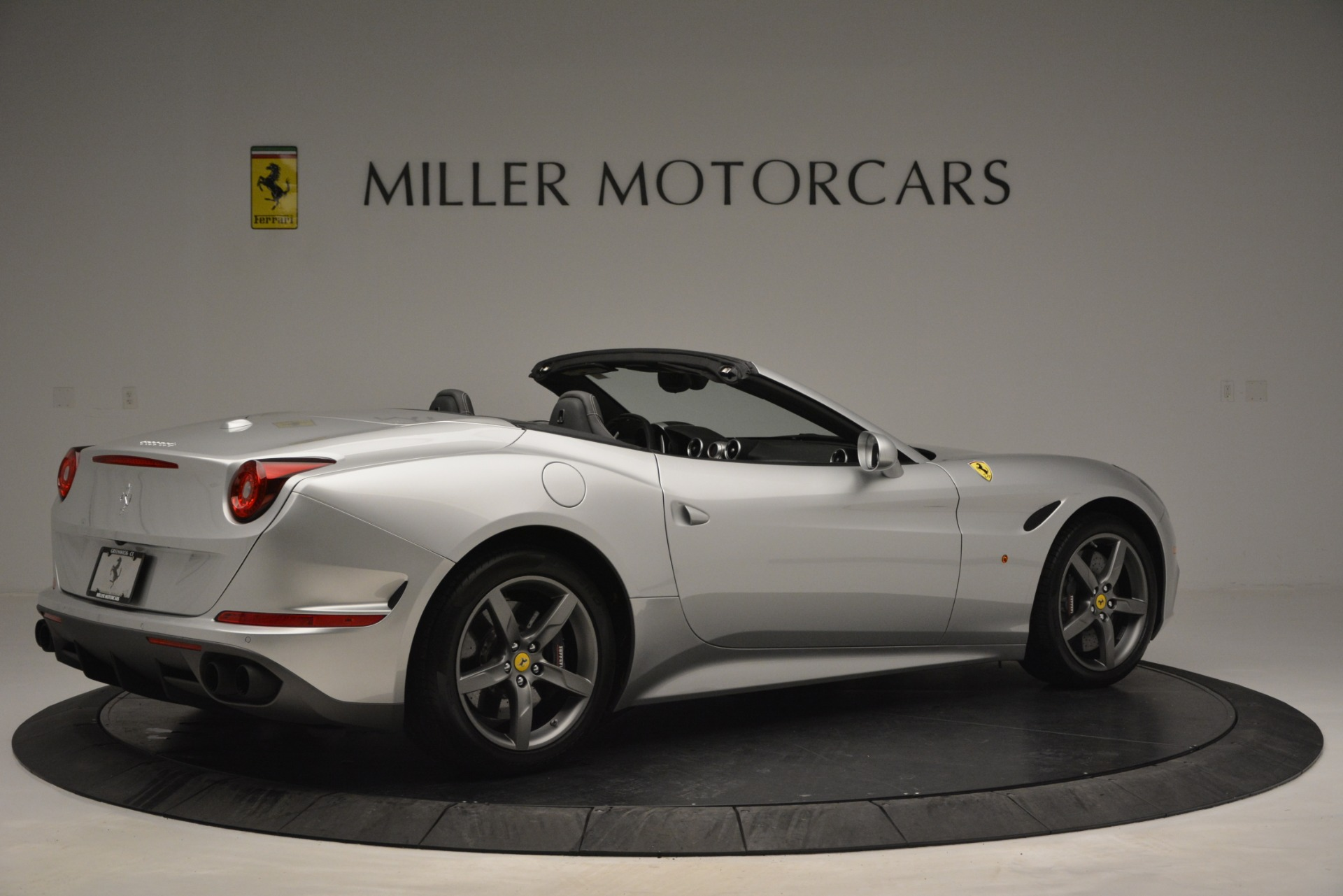 Used 2017 Ferrari California T Handling Speciale For Sale In Greenwich, CT 2931_p8
