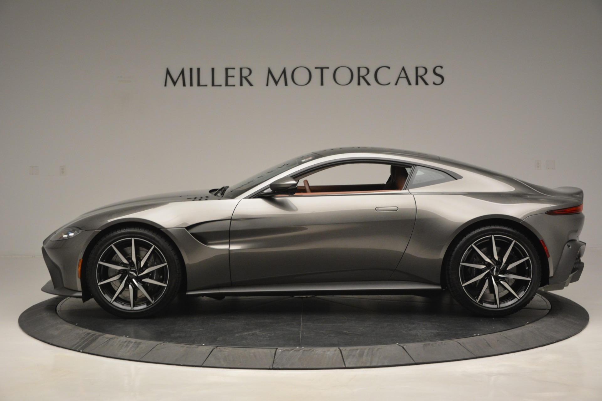 Used 2019 Aston Martin Vantage  For Sale In Greenwich, CT 2932_p2