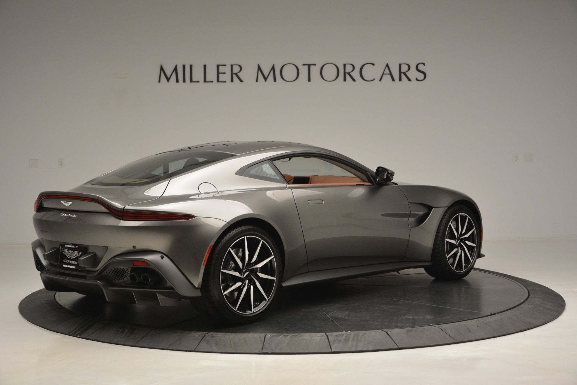 Used 2019 Aston Martin Vantage  For Sale In Greenwich, CT 2932_p7