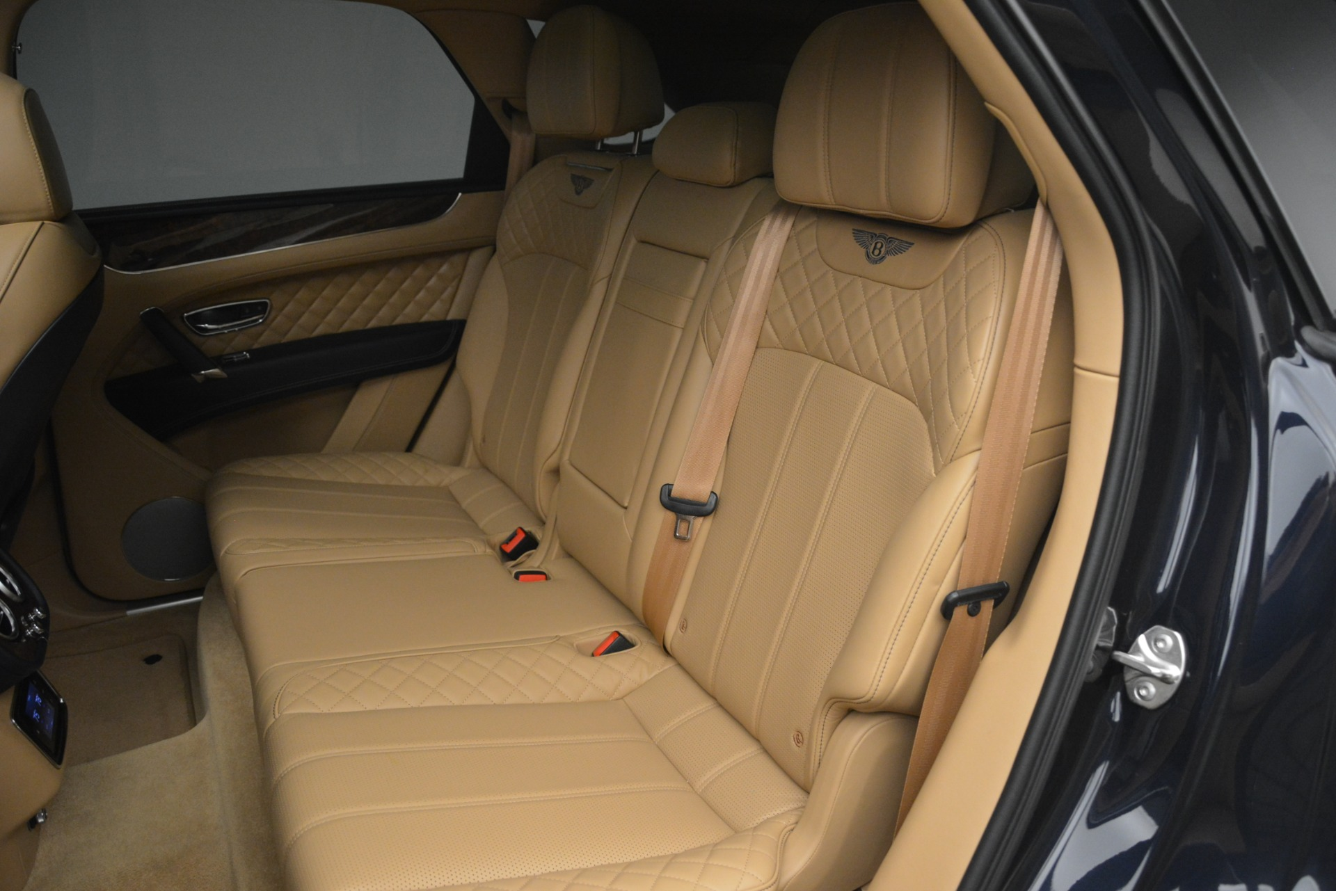 Used 2017 Bentley Bentayga W12 For Sale In Greenwich, CT 2934_p24