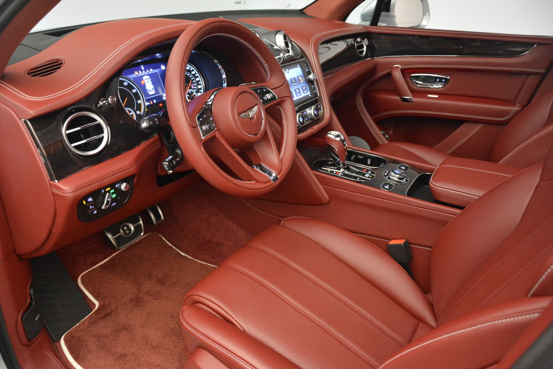 New 2019 Bentley Bentayga V8 For Sale In Greenwich, CT 2935_p17