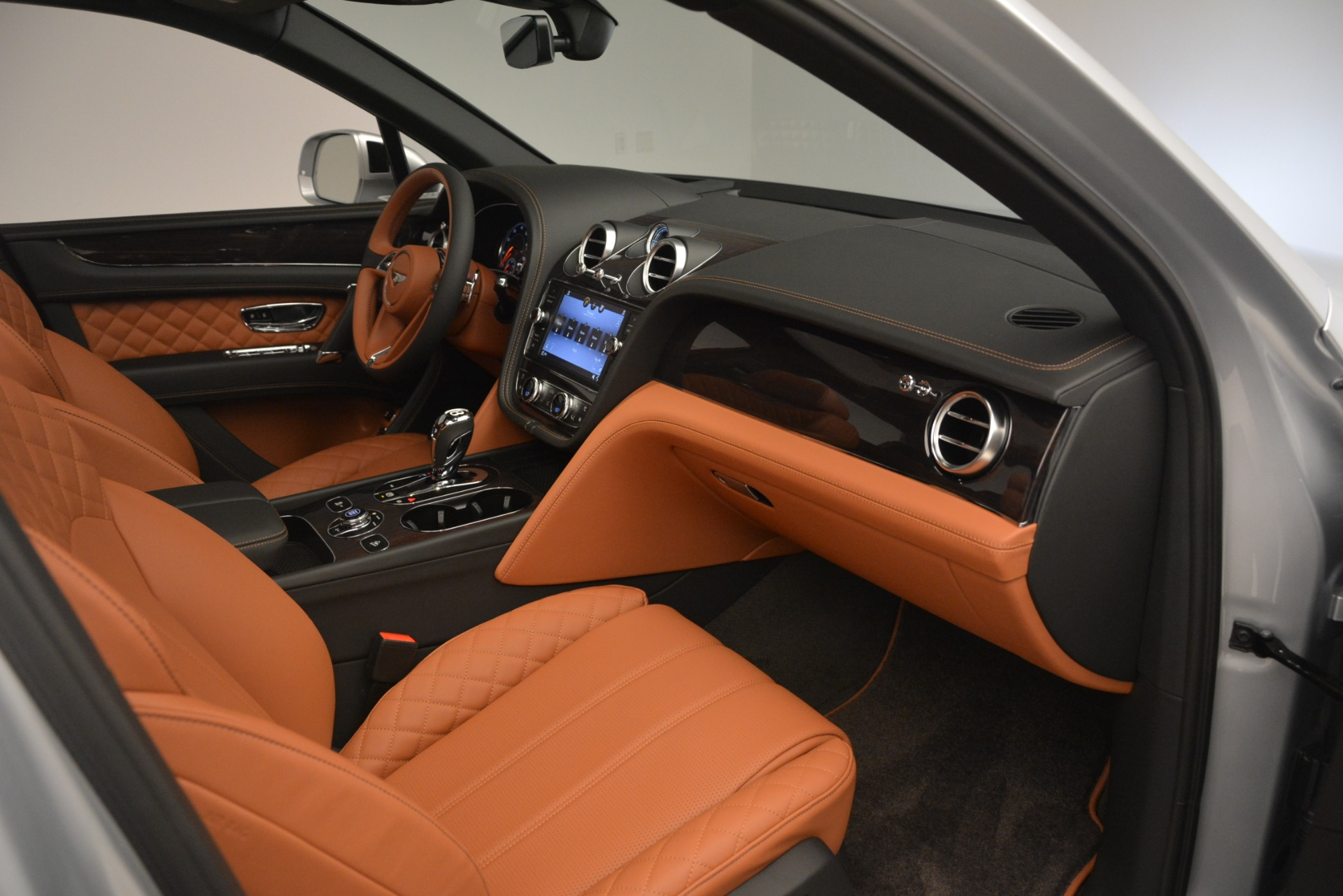 New 2019 Bentley Bentayga V8 For Sale In Greenwich, CT 2936_p23