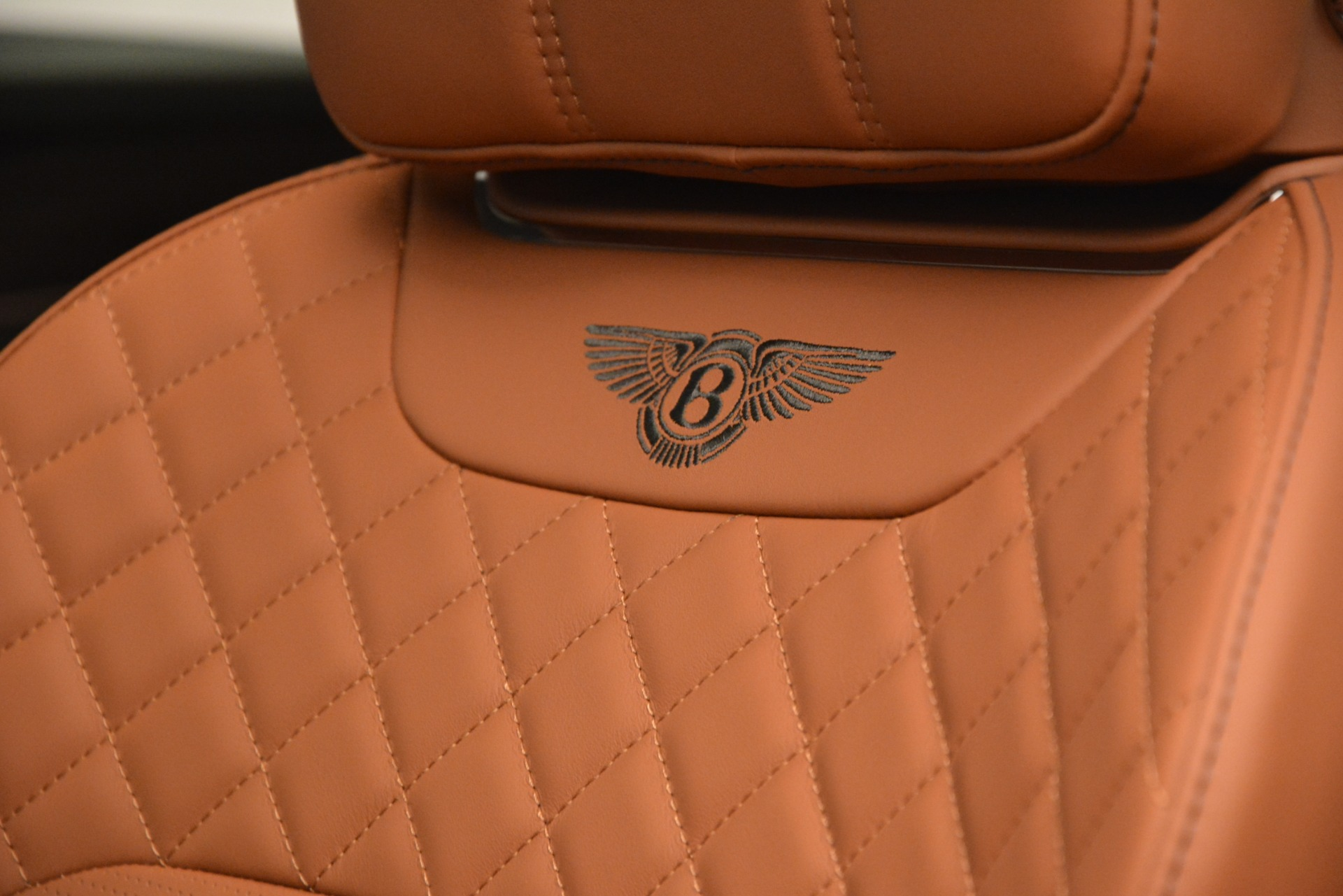 New 2019 Bentley Bentayga V8 For Sale In Greenwich, CT 2936_p25
